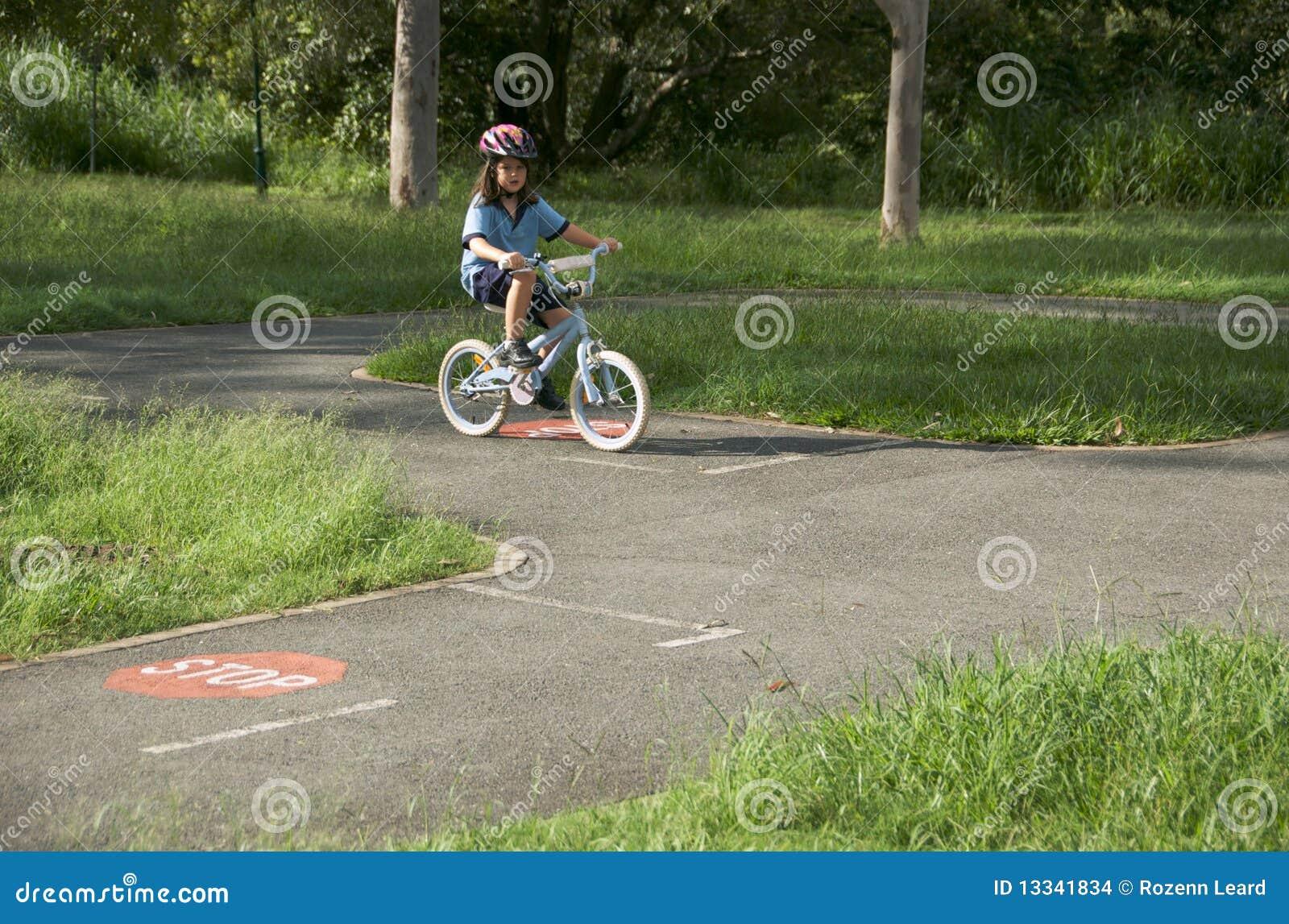 Dziecka uczenie drogi reguły