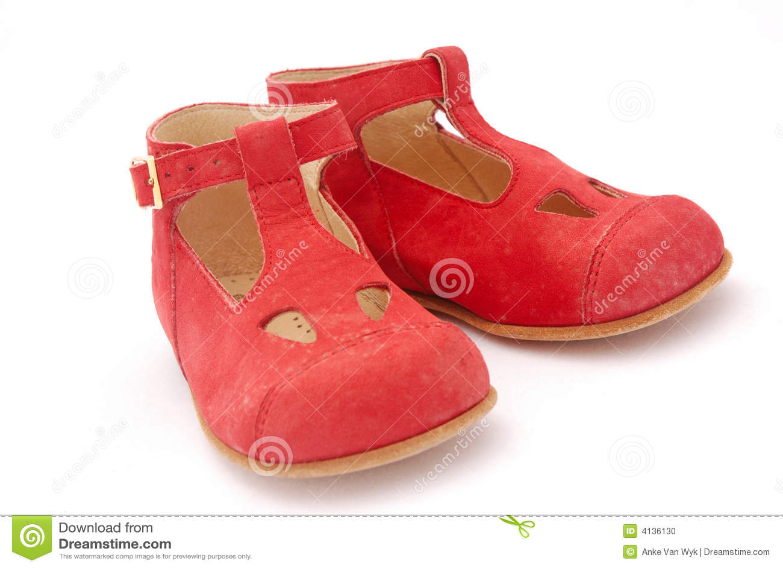 Dziecko czerwone buty