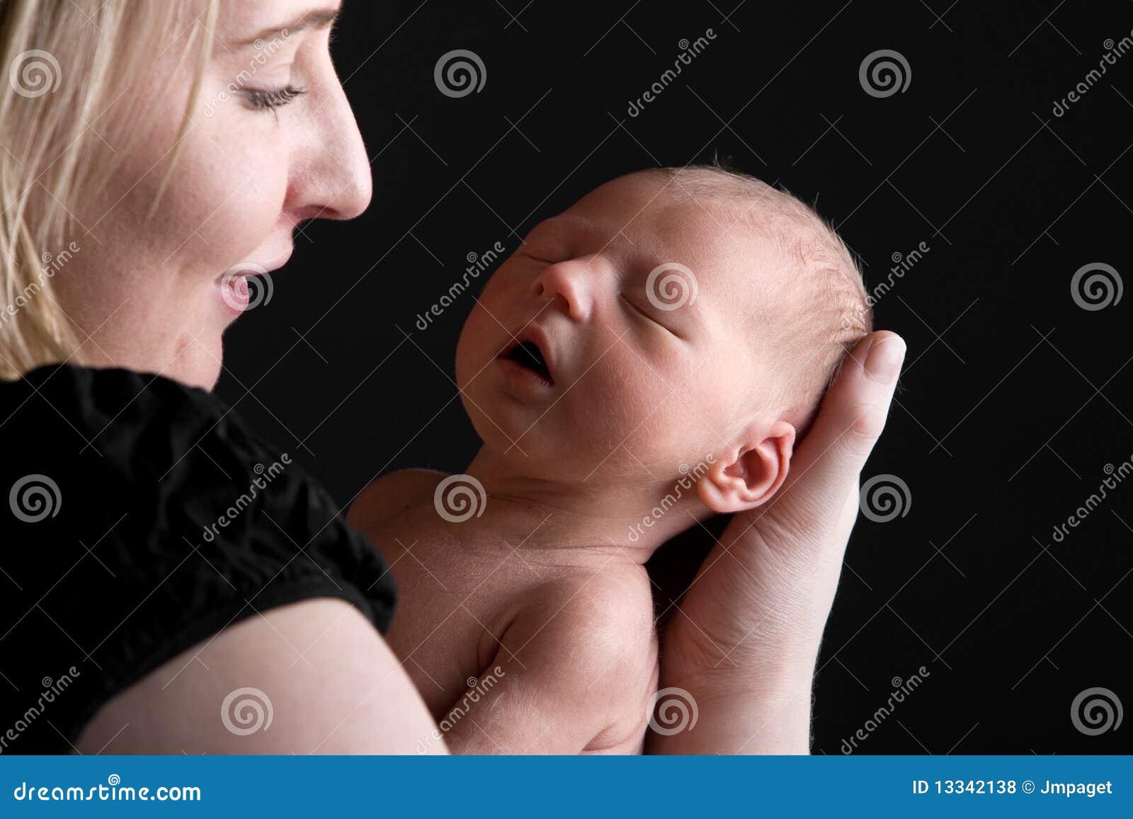 Dziecko jej ja target2056_0_ mienia macierzysty podczas gdy