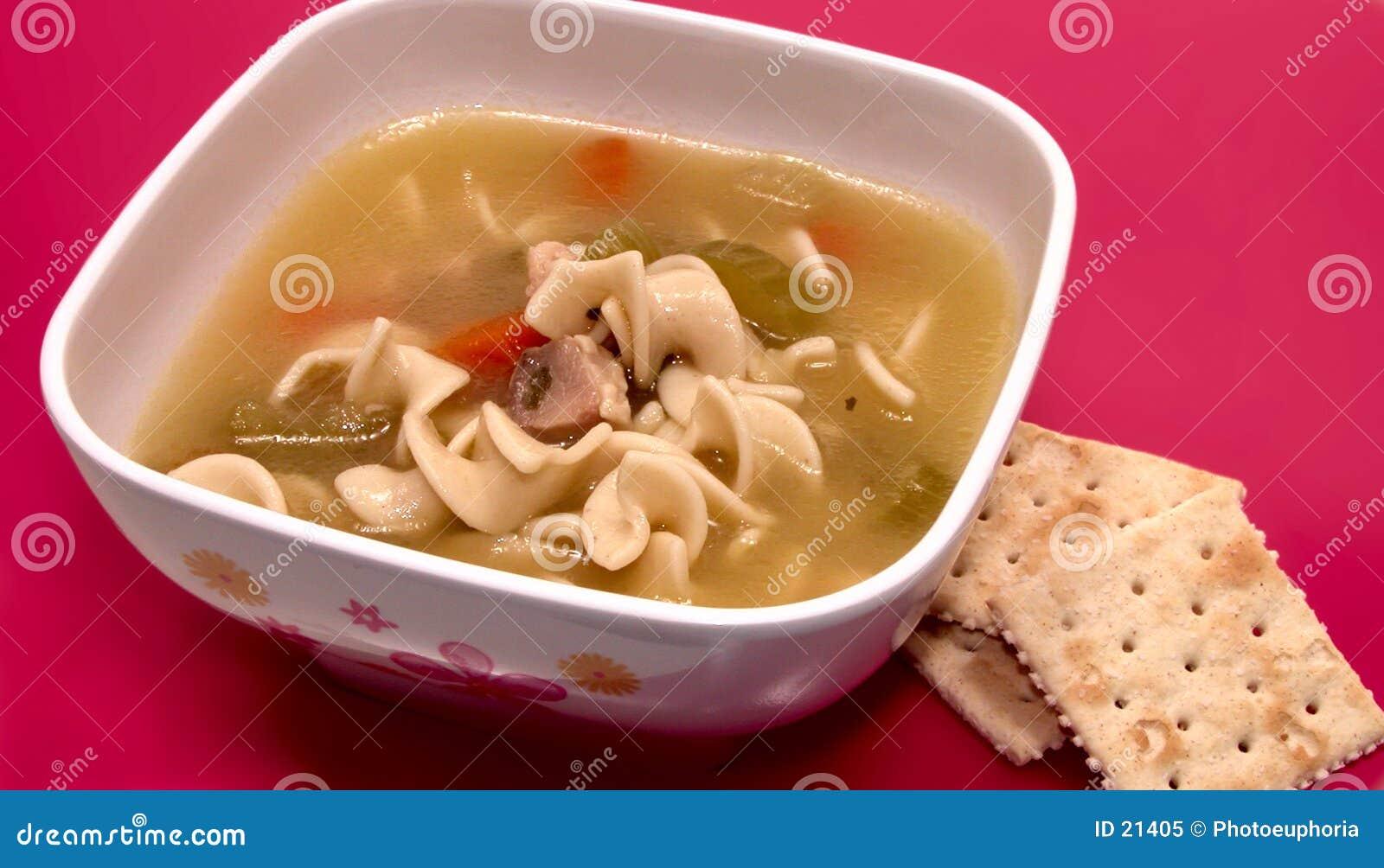 Dziecko jest miski zupy