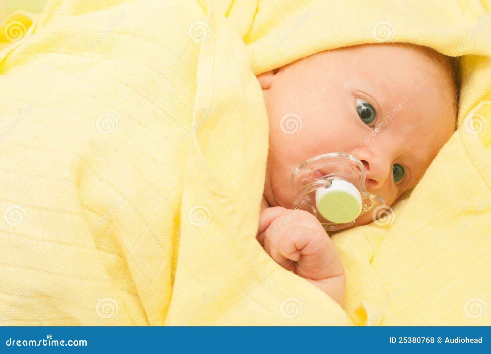Dziecko nowonarodzony