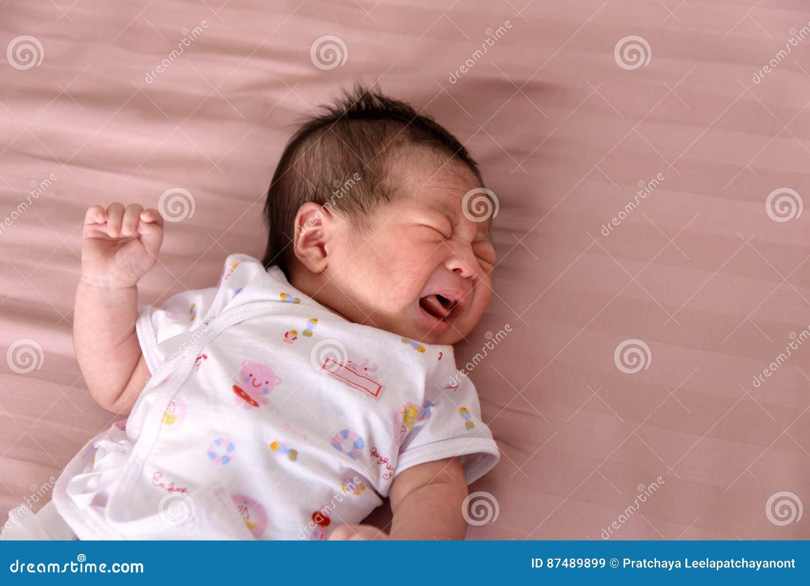 Dziecko płakać noworodek
