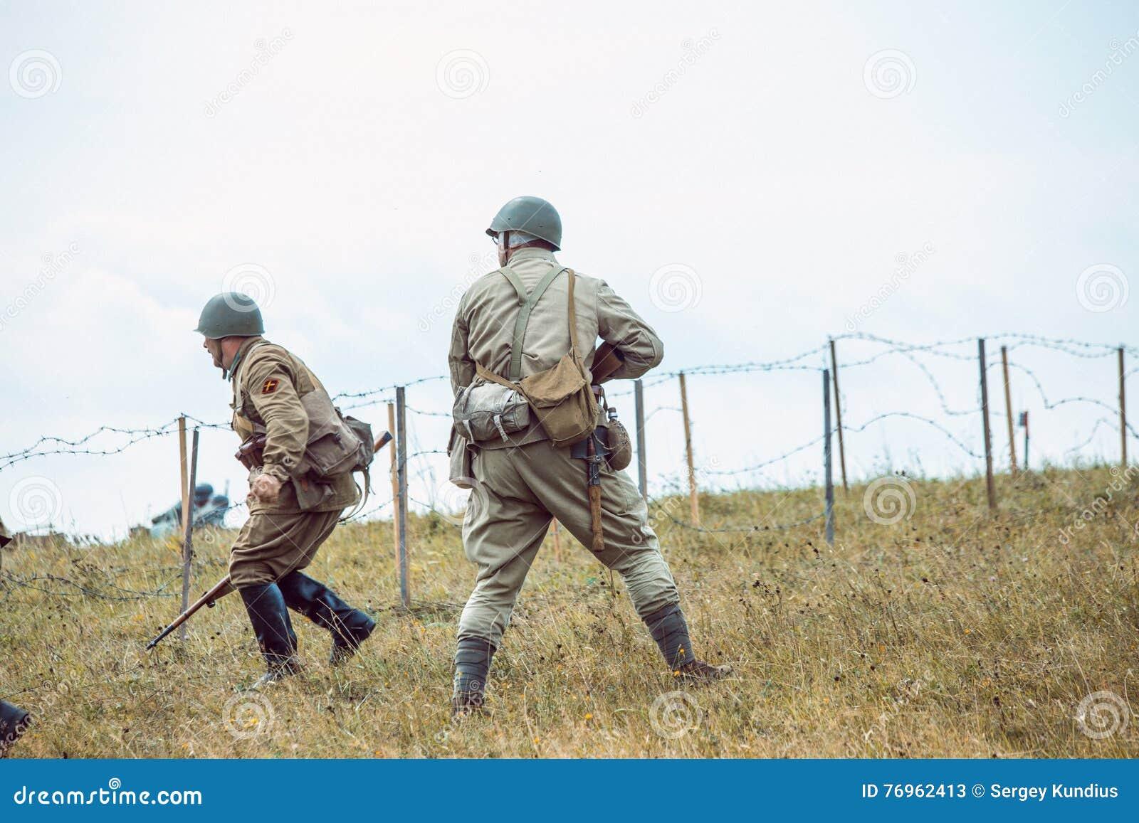 Dziejowa odbudowy drugi wojna światowa Żołnierze iść na a