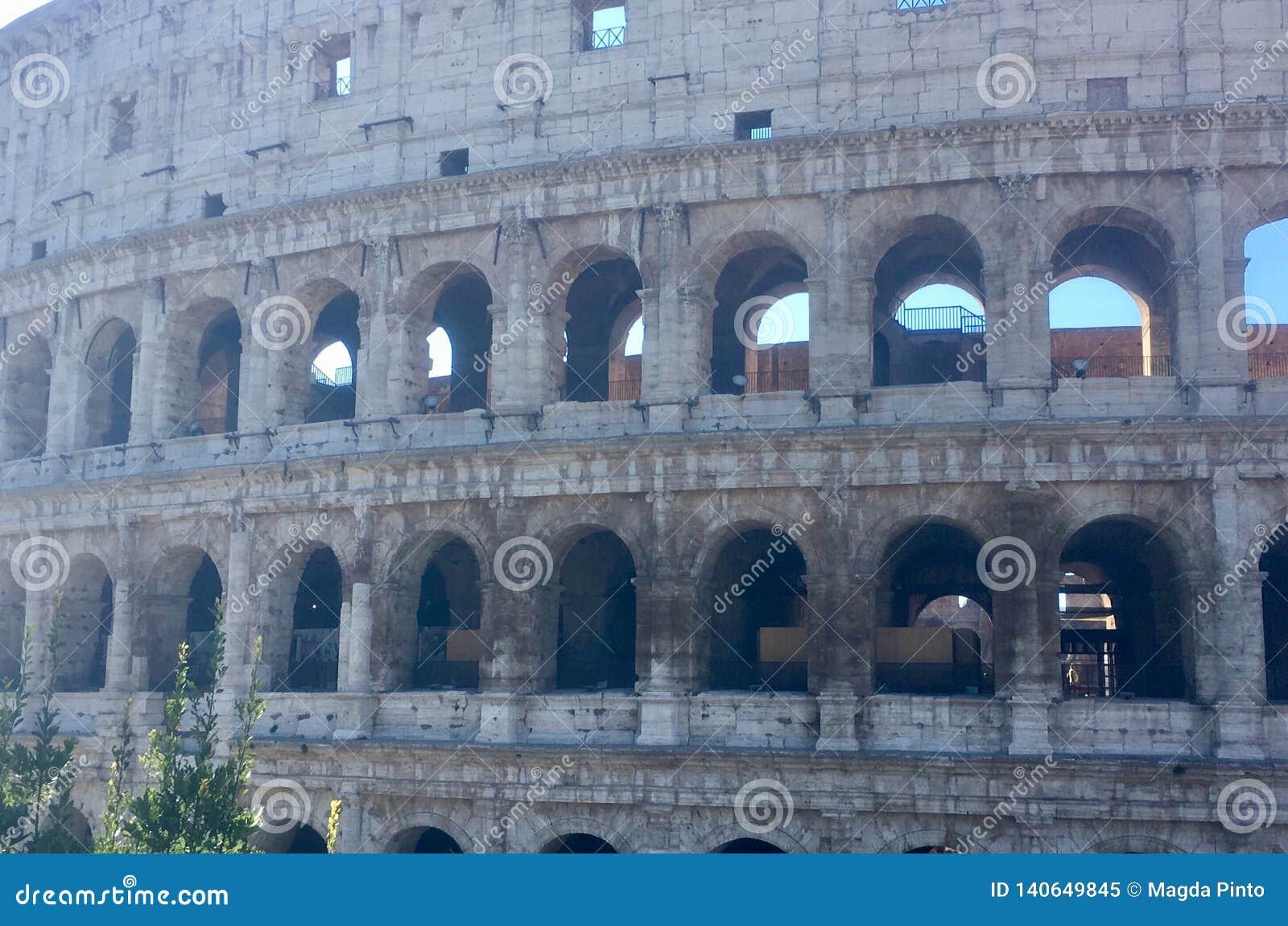 Dziejowy centrum Rzym Colosseum