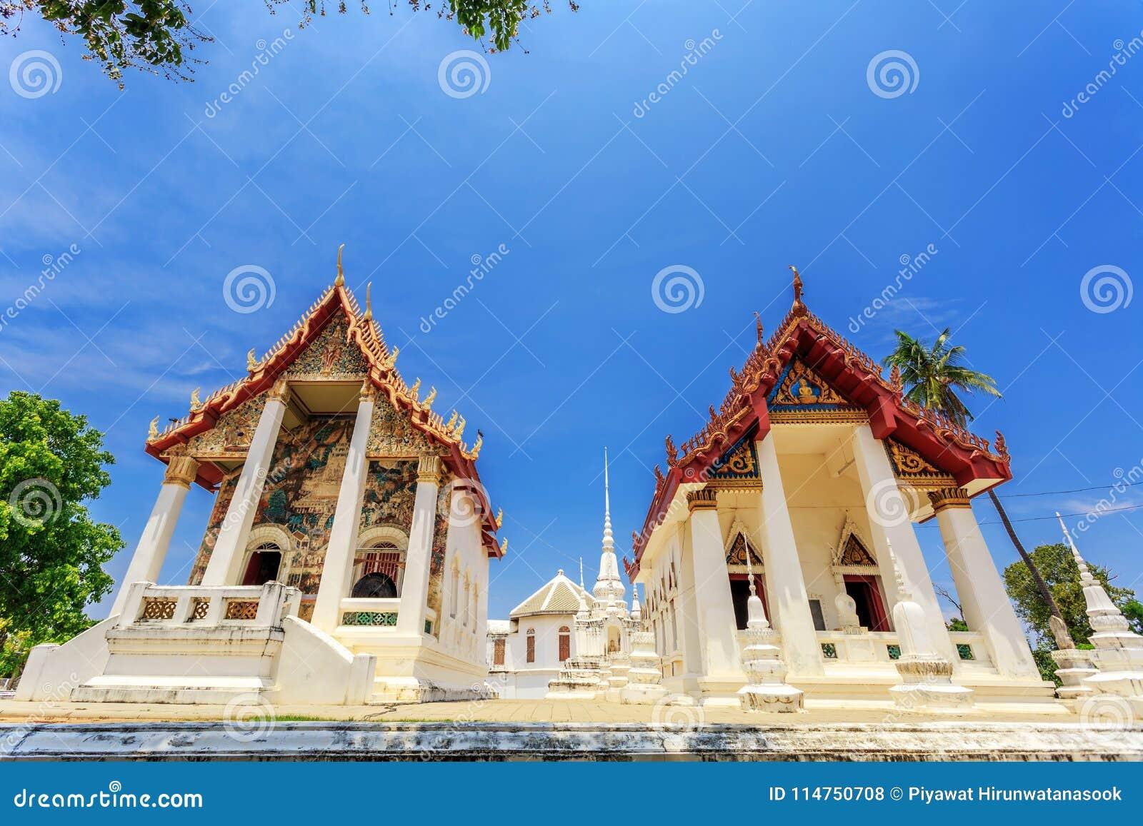 Dziejowy miejsce, Wat Ubosatharam Świątynia mieści wiele artefakty tak jak ścienni malowidła ścienne reprezentuje styl wczesny Ra