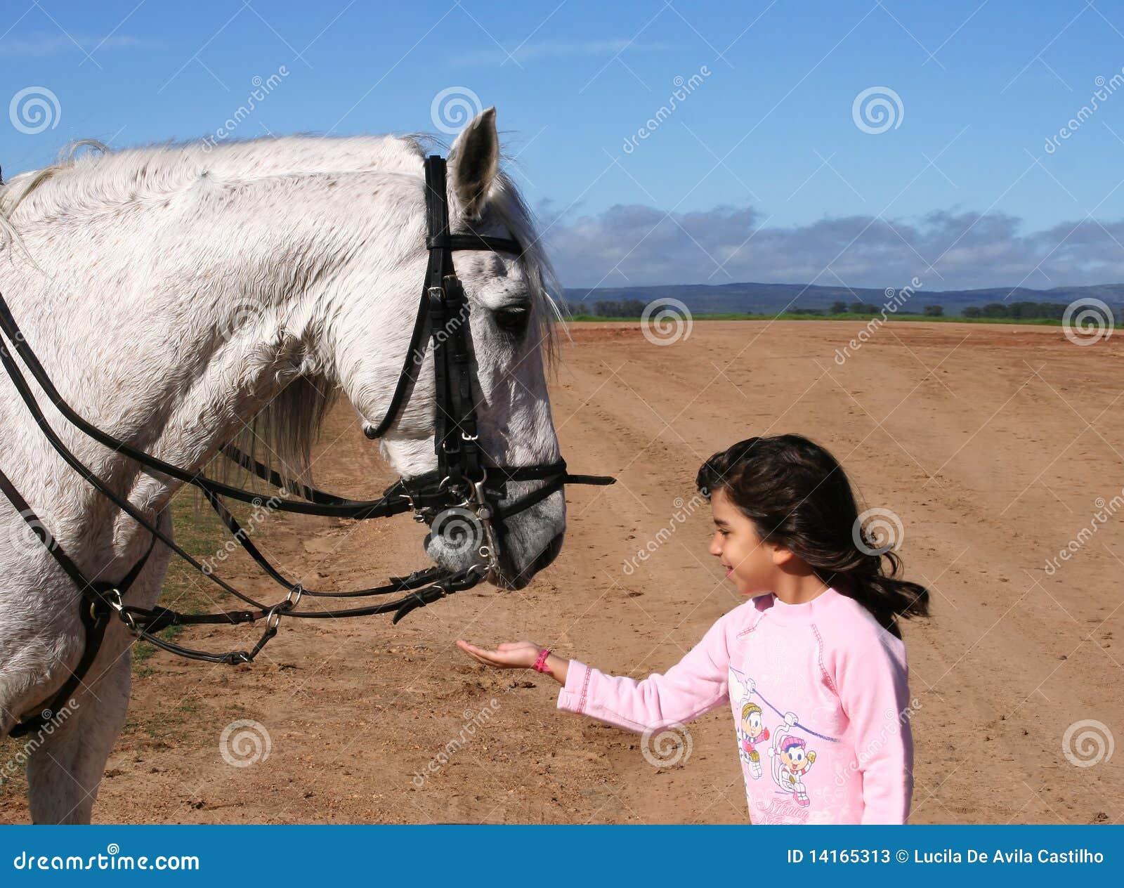 Dziewczyna jej końscy potomstwa