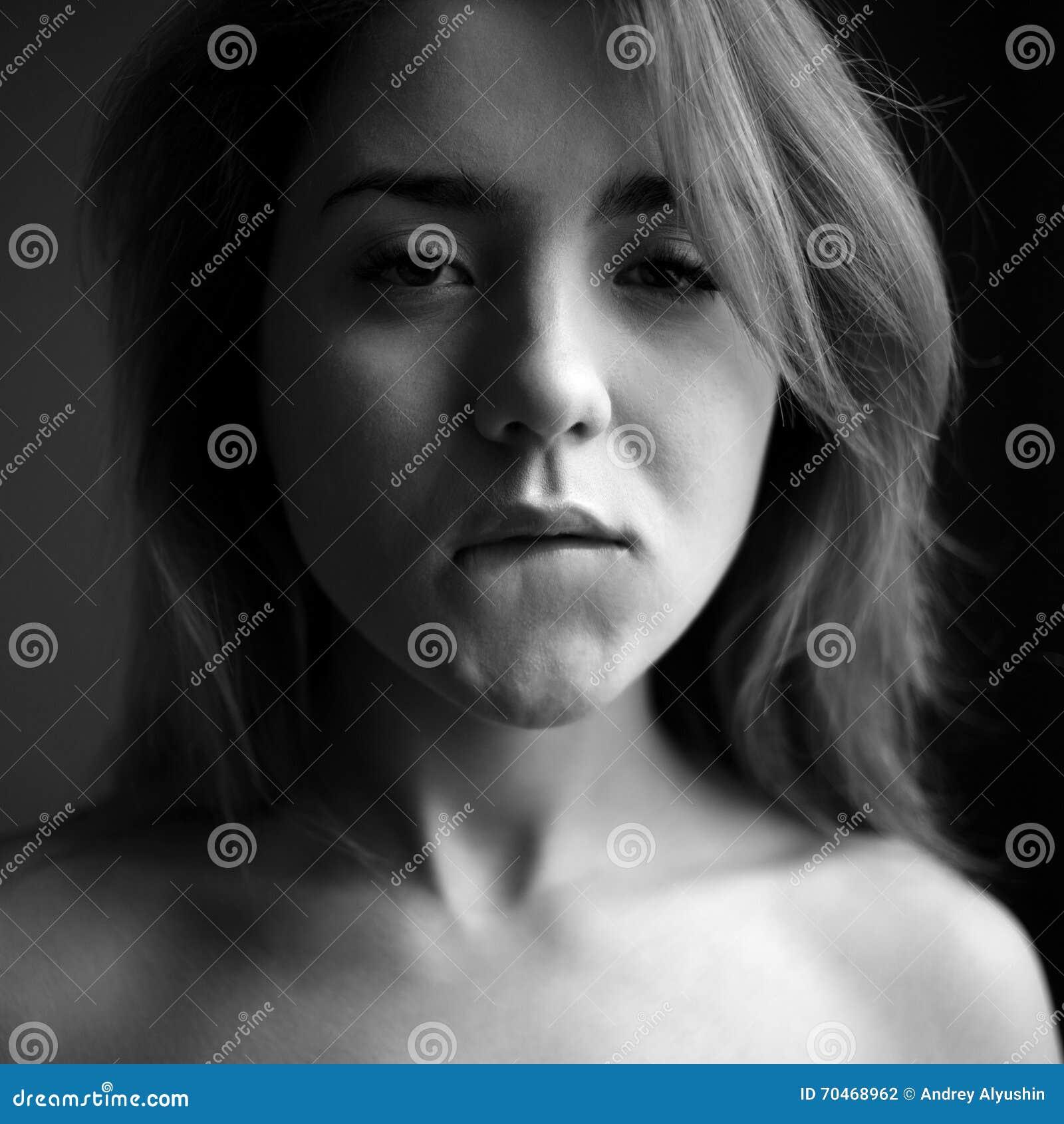 chuda cipka kobiecy wytrysk