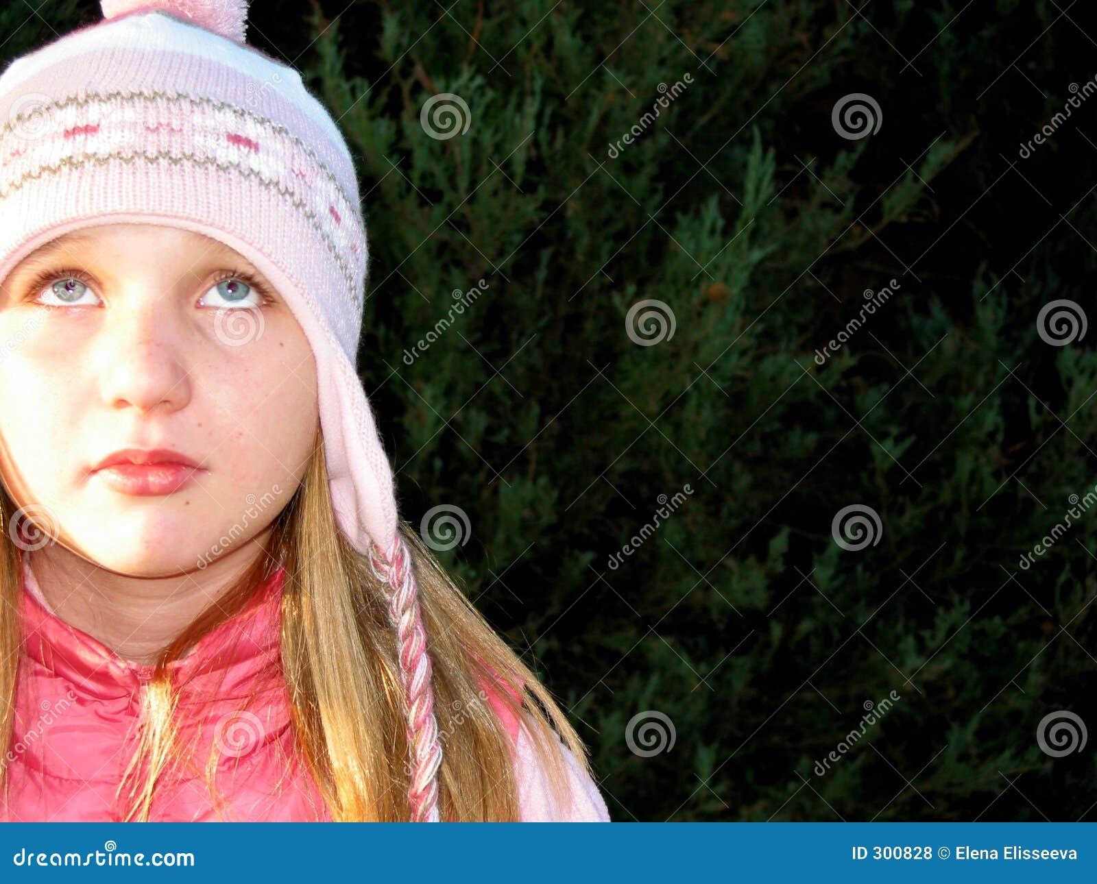 Dziewczyna kapeluszu zima