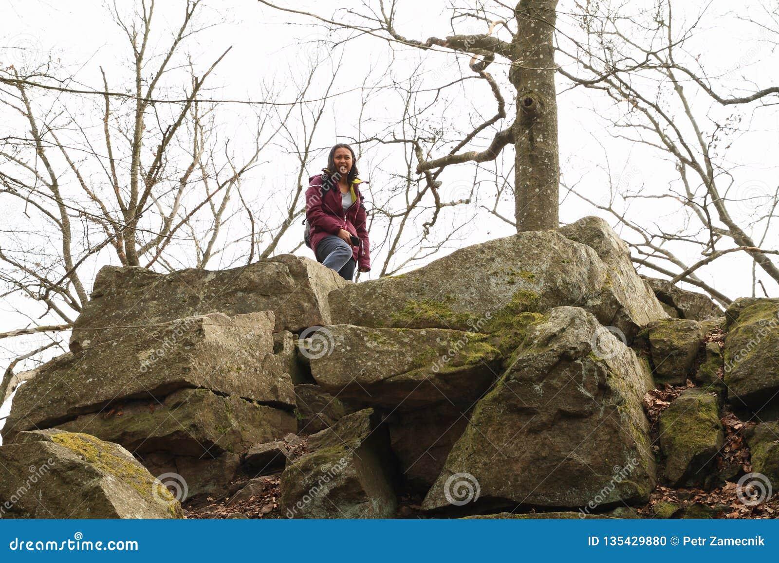 Dziewczyna na wzgórzu Wielki Blanik