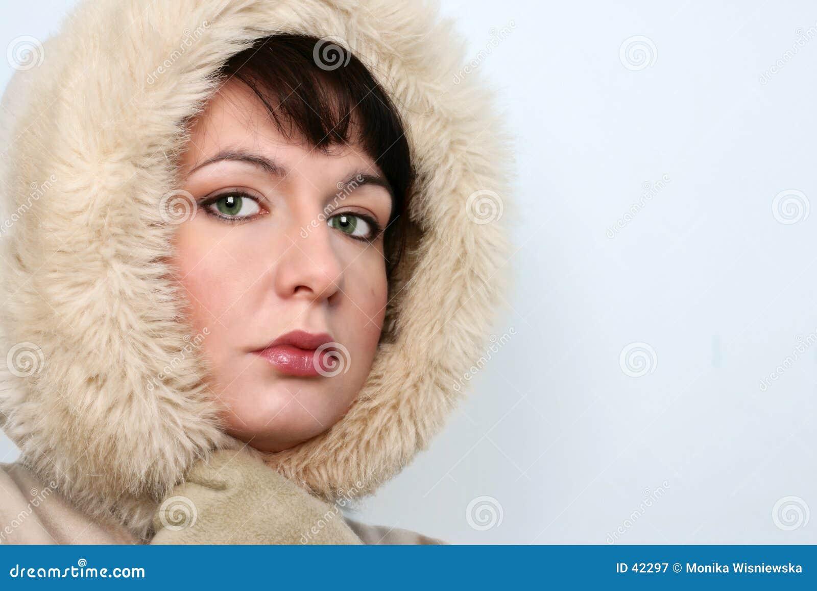 Dziewczyna portret zimy.