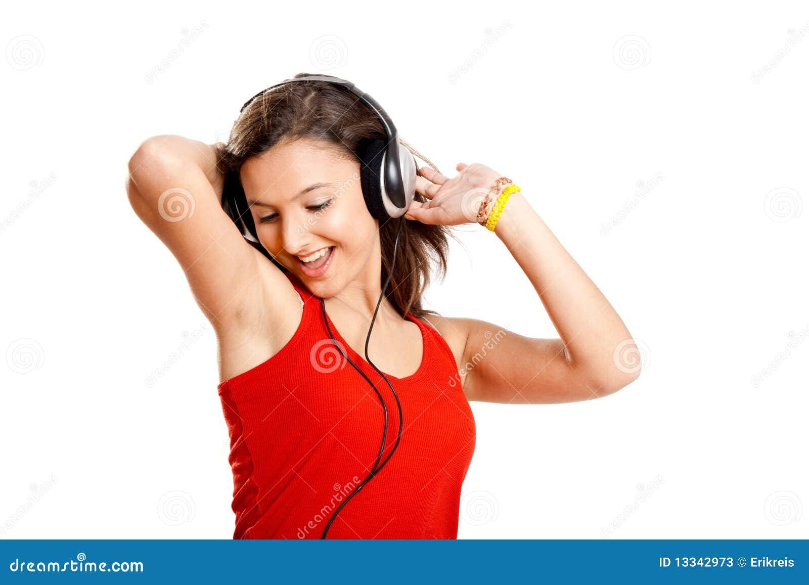 Dziewczyna słucha muzycznych potomstwa