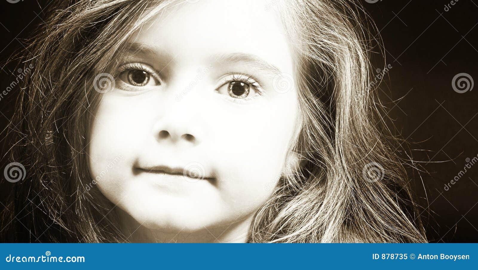 Dziewczyna sepiowa blond twarzy