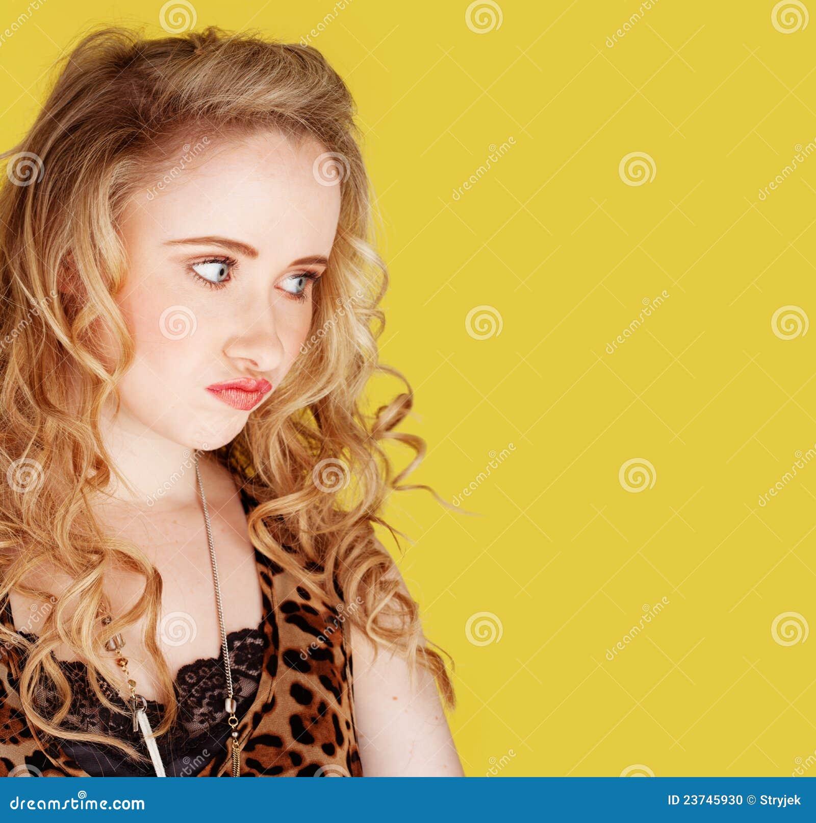 Dziewczyna szalenie target2045_0_