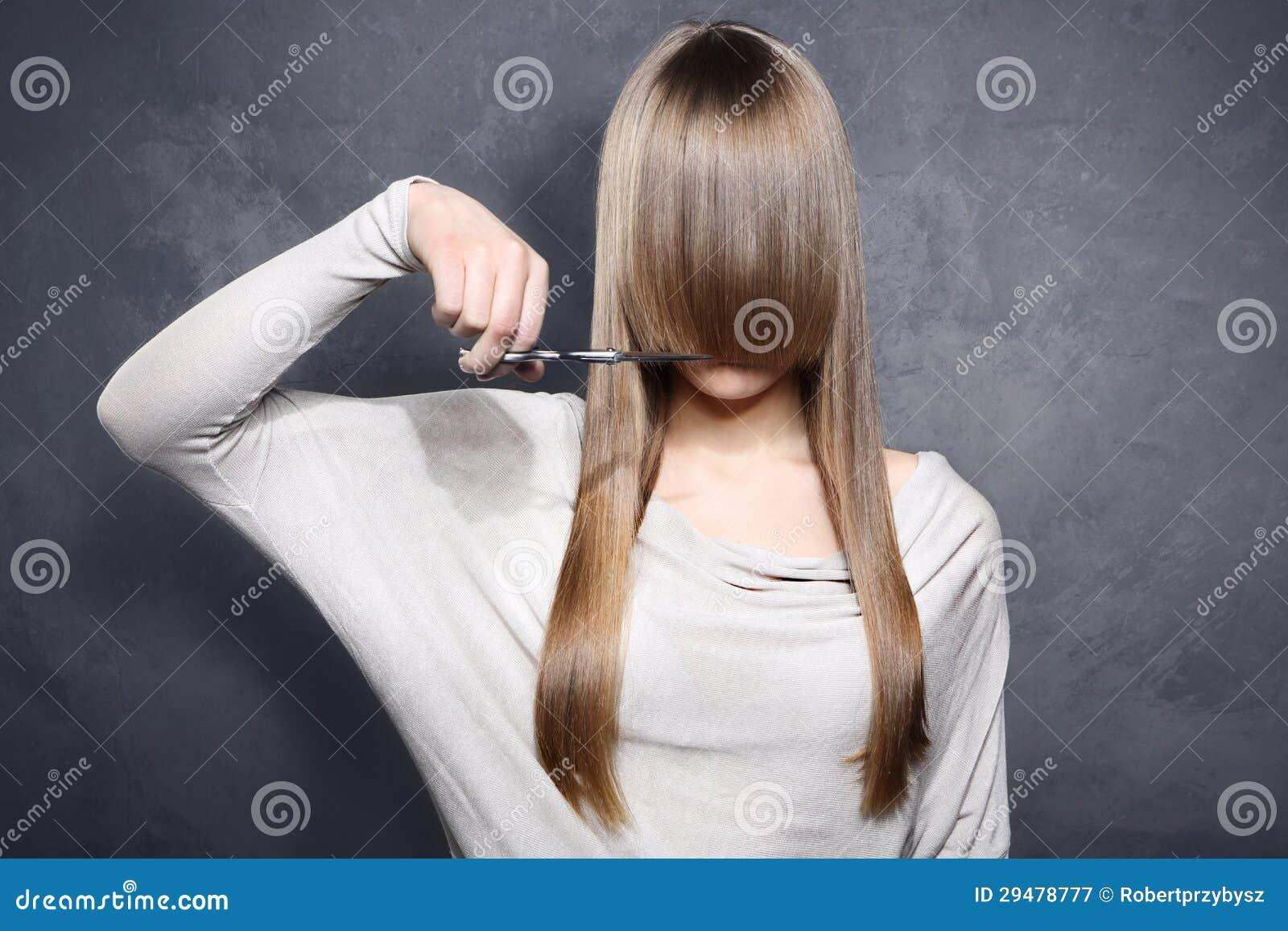Dziewczyna z nożycami