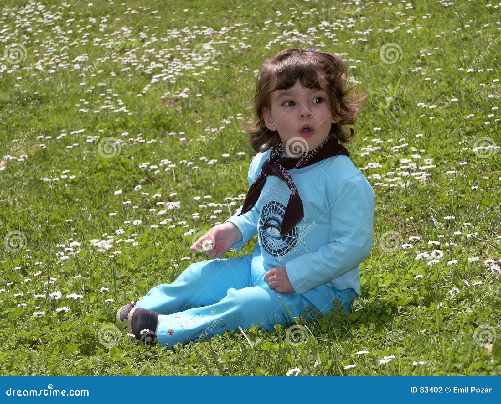Dziewczyny dziecka trawy