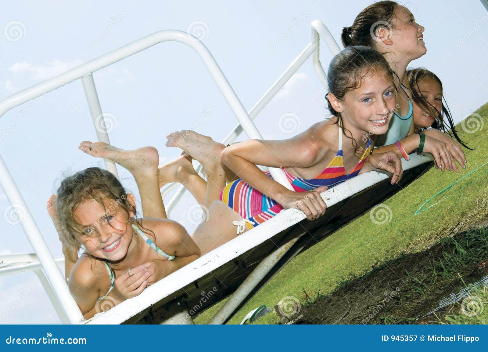 Dziewczyny grać young