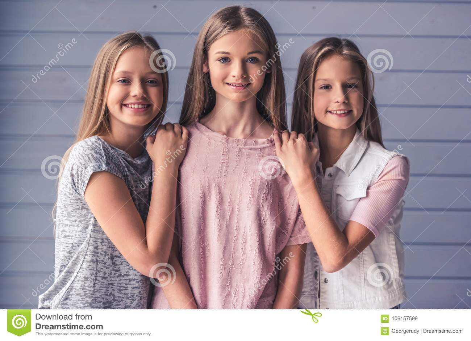 Dziewczyny nastoletni trzy