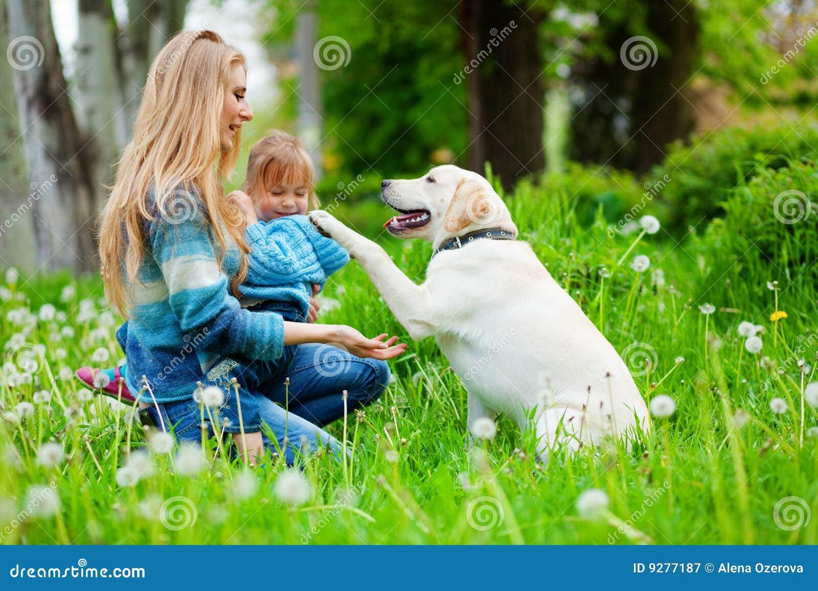 Dziewczyny psia kobieta