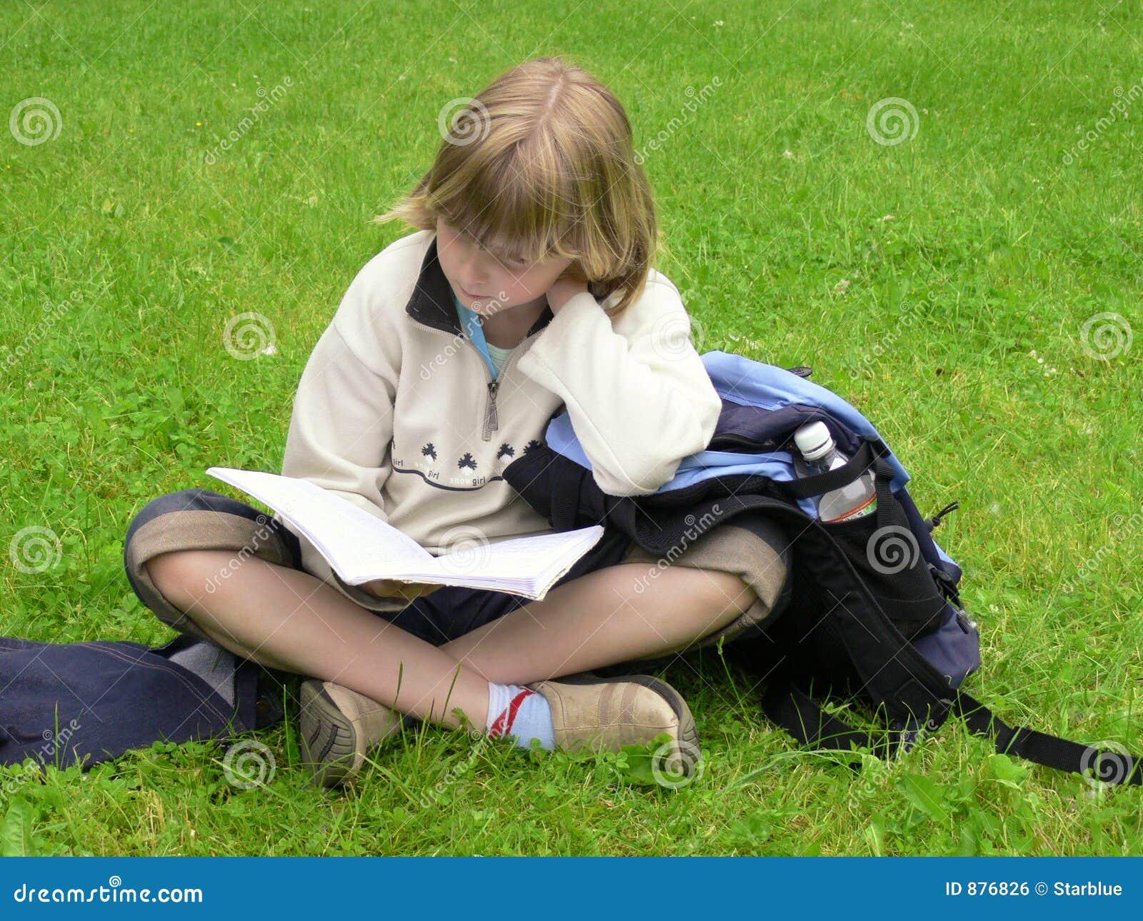 Dziewczyny studiować park