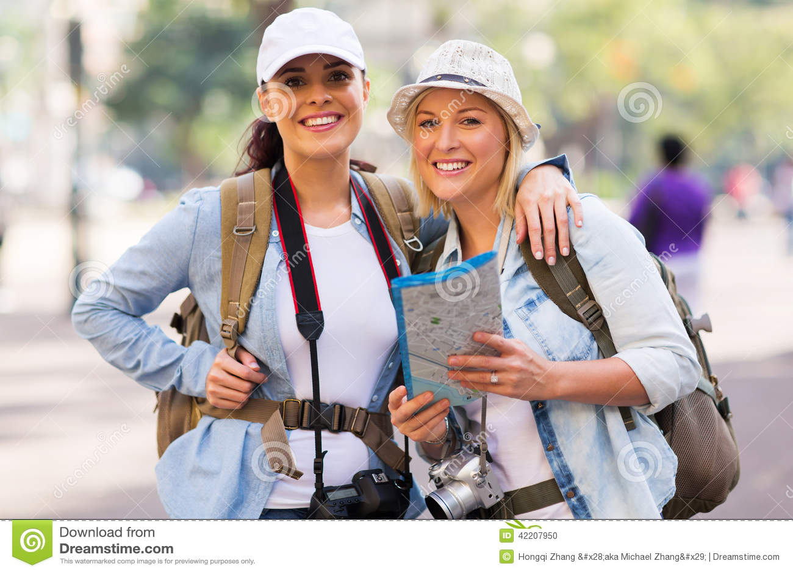 Żeńscy turyści