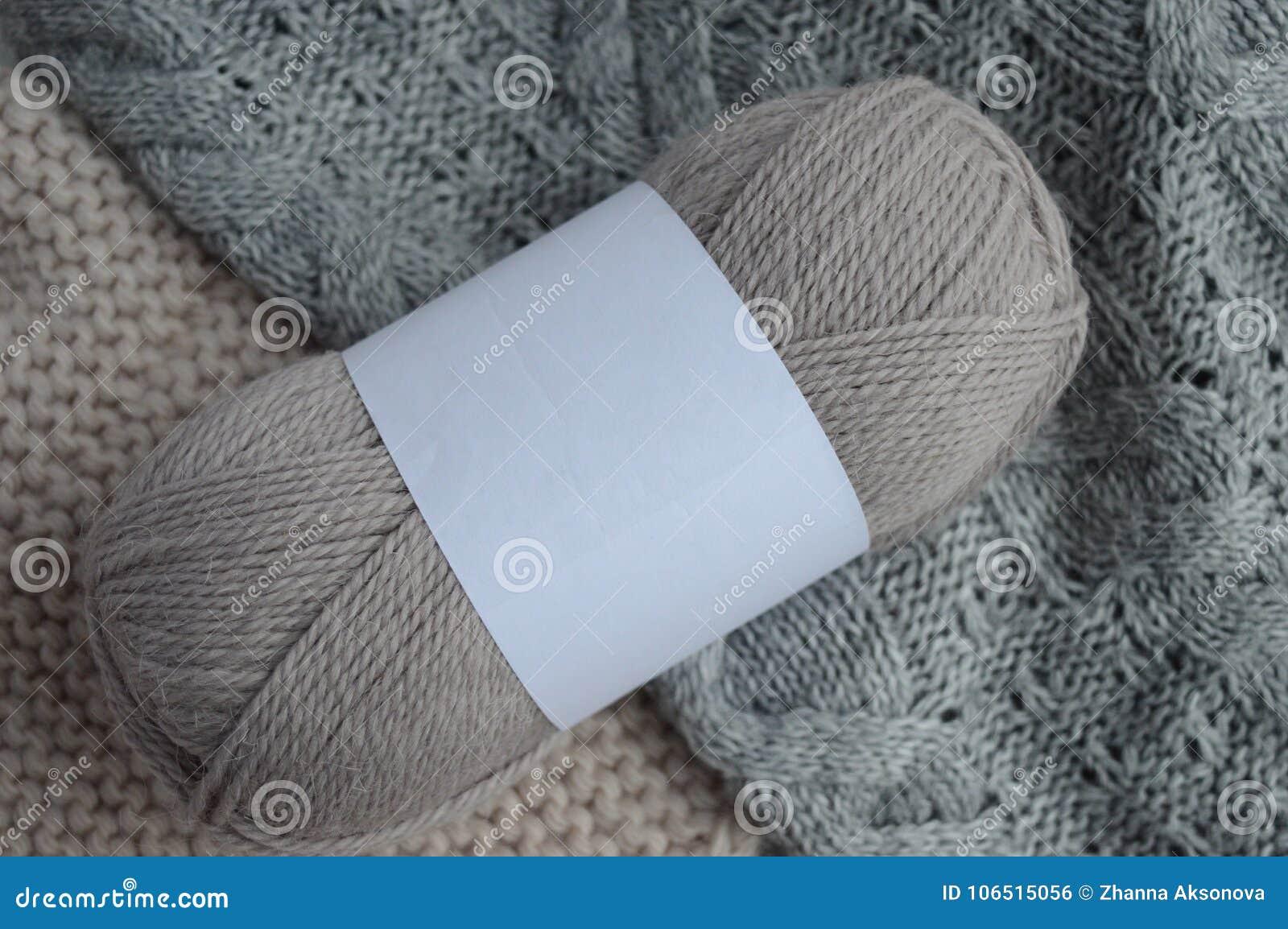 0b3f206fe5e2 E Πλέξιμο Φυσικό μαλλί Πλεκτό πουλόβερ Στοκ Εικόνες - εικόνα από ...