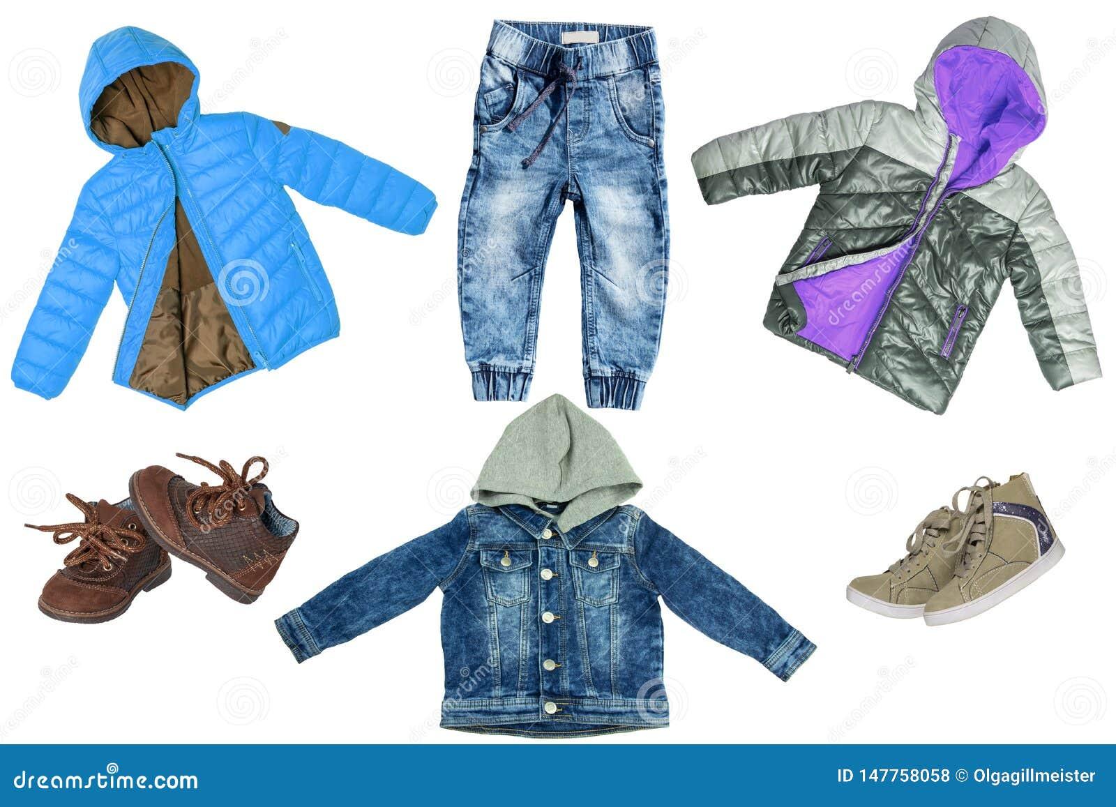 E 牛仔布牛仔裤或裤子、牛仔裤夹克、两双对鞋子和两件雨夹克儿童男孩的被隔绝