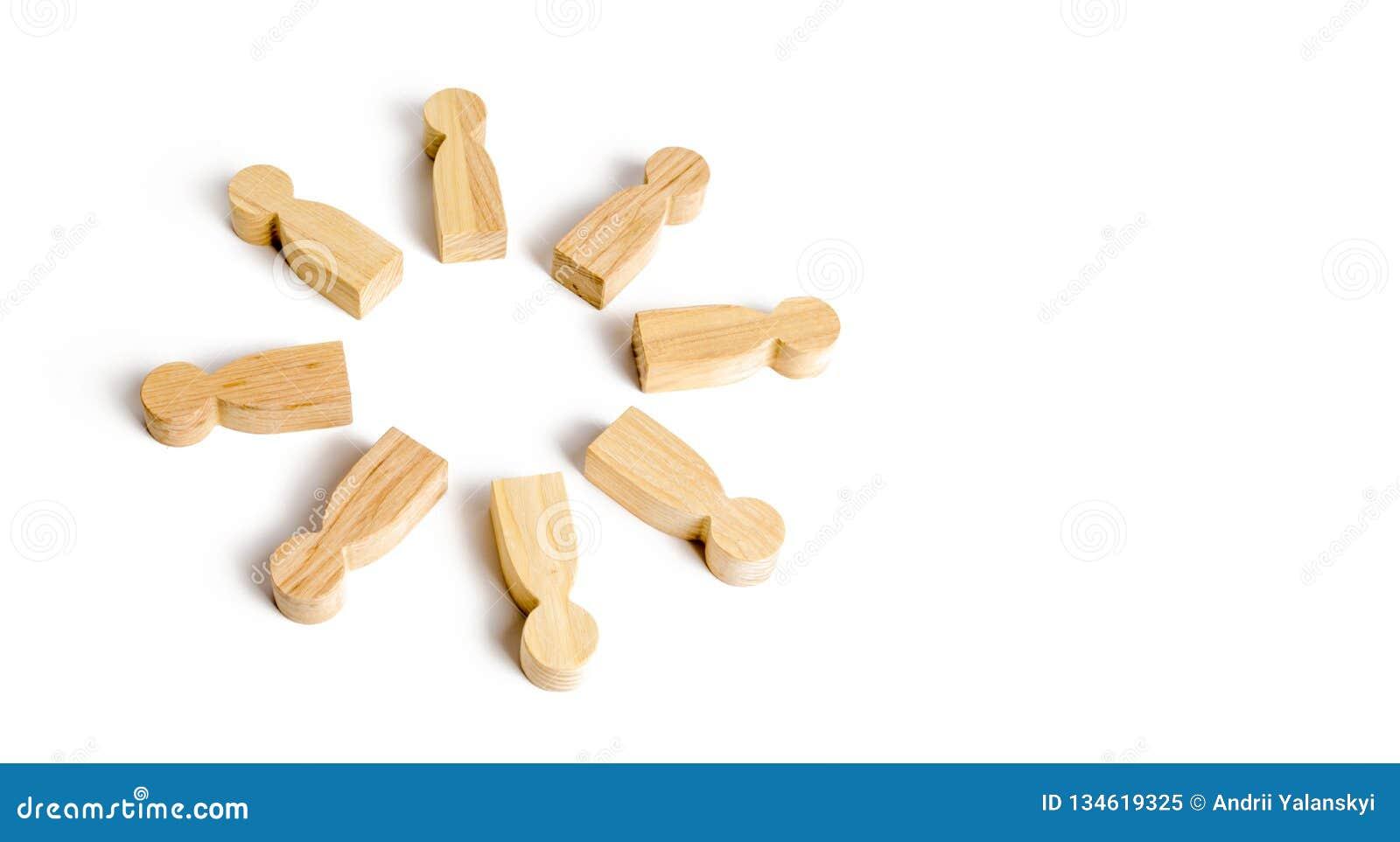 E Comunicación Equipo del negocio, trabajo en equipo, espíritu de equipo Figuras de madera de la gente Un círculo de la gente