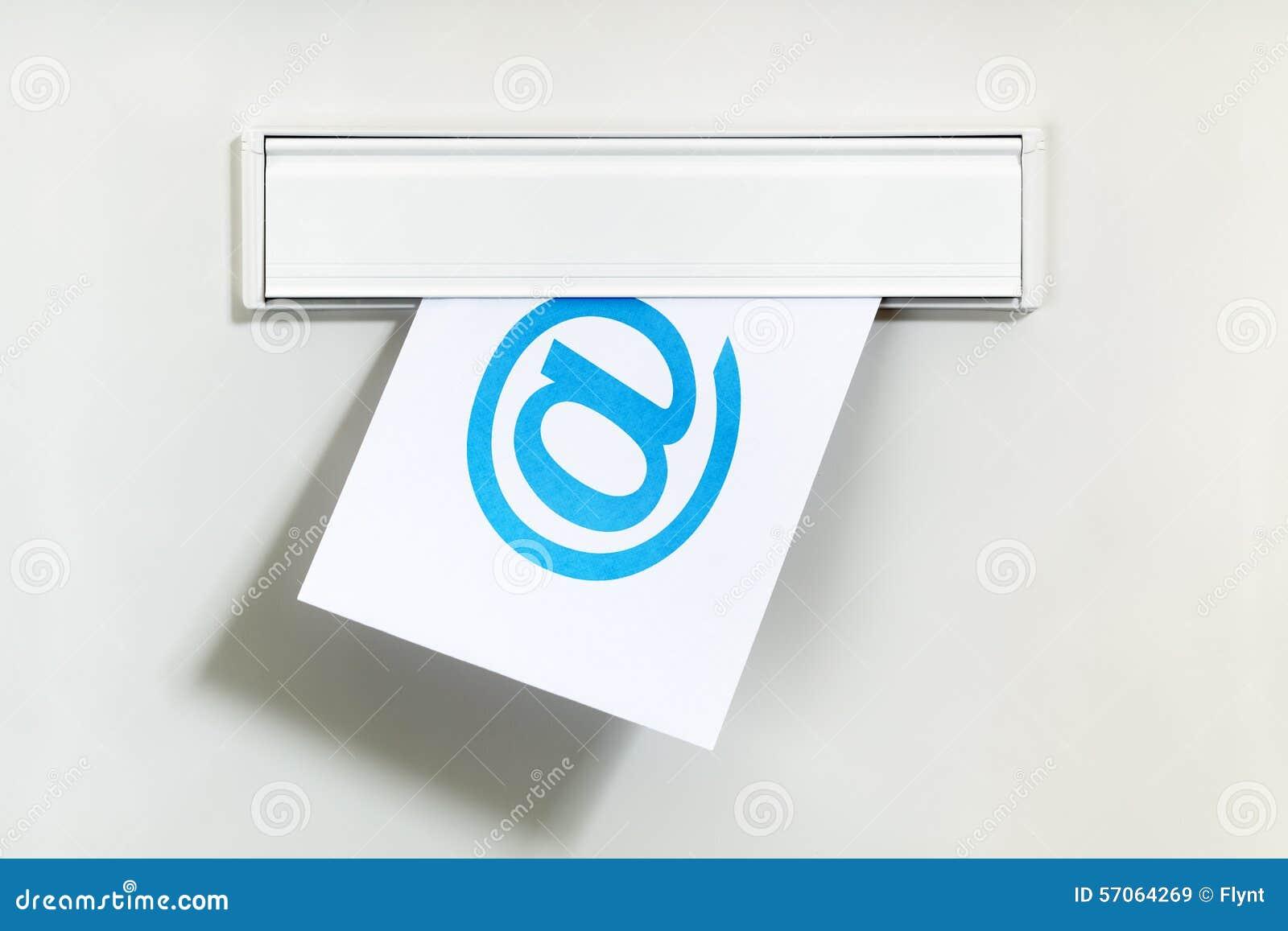 E-mail door brievenvakje