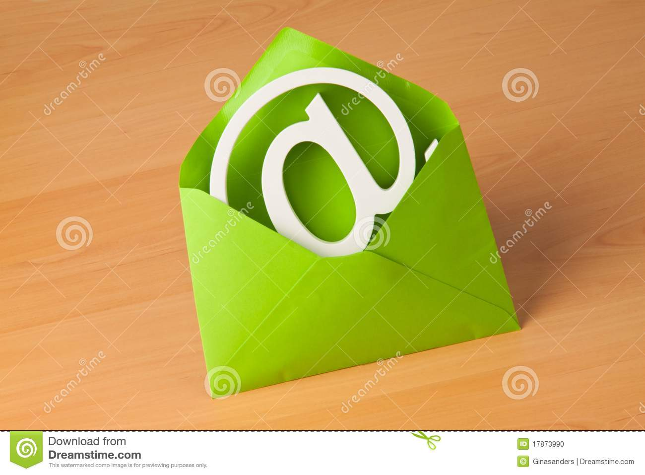 E-mail logo in an envelope