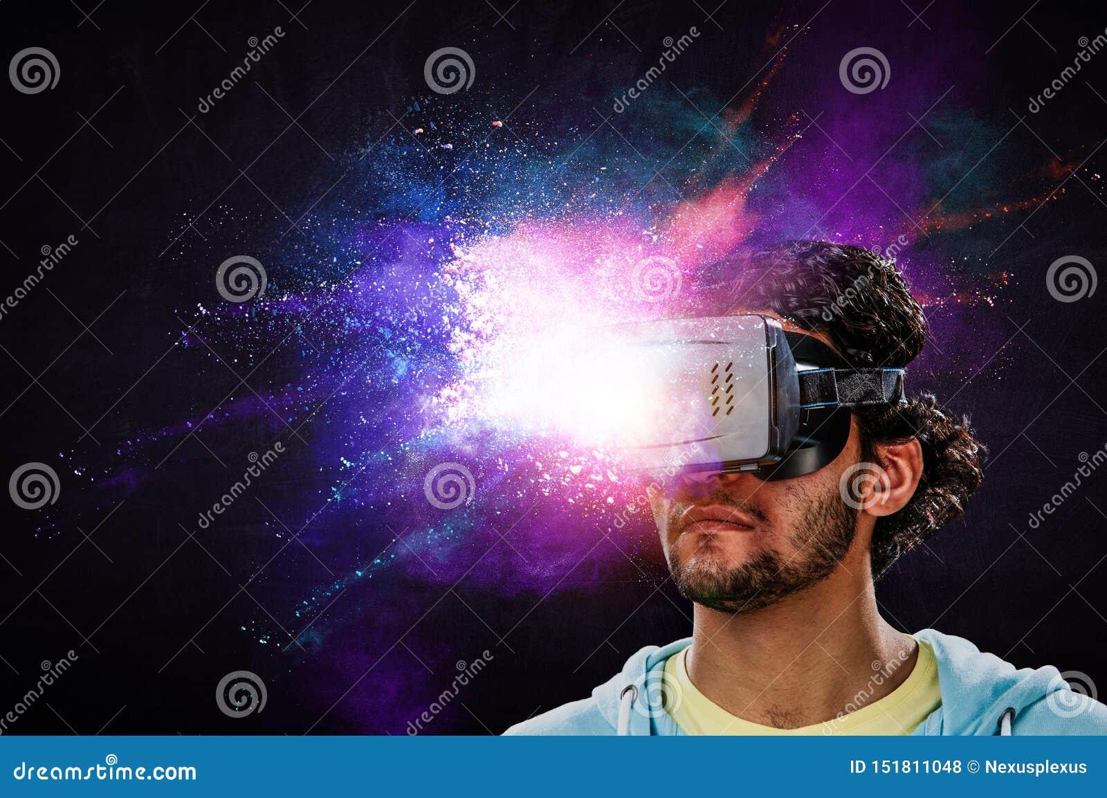 虚拟现实体验 未来技术 混合介质