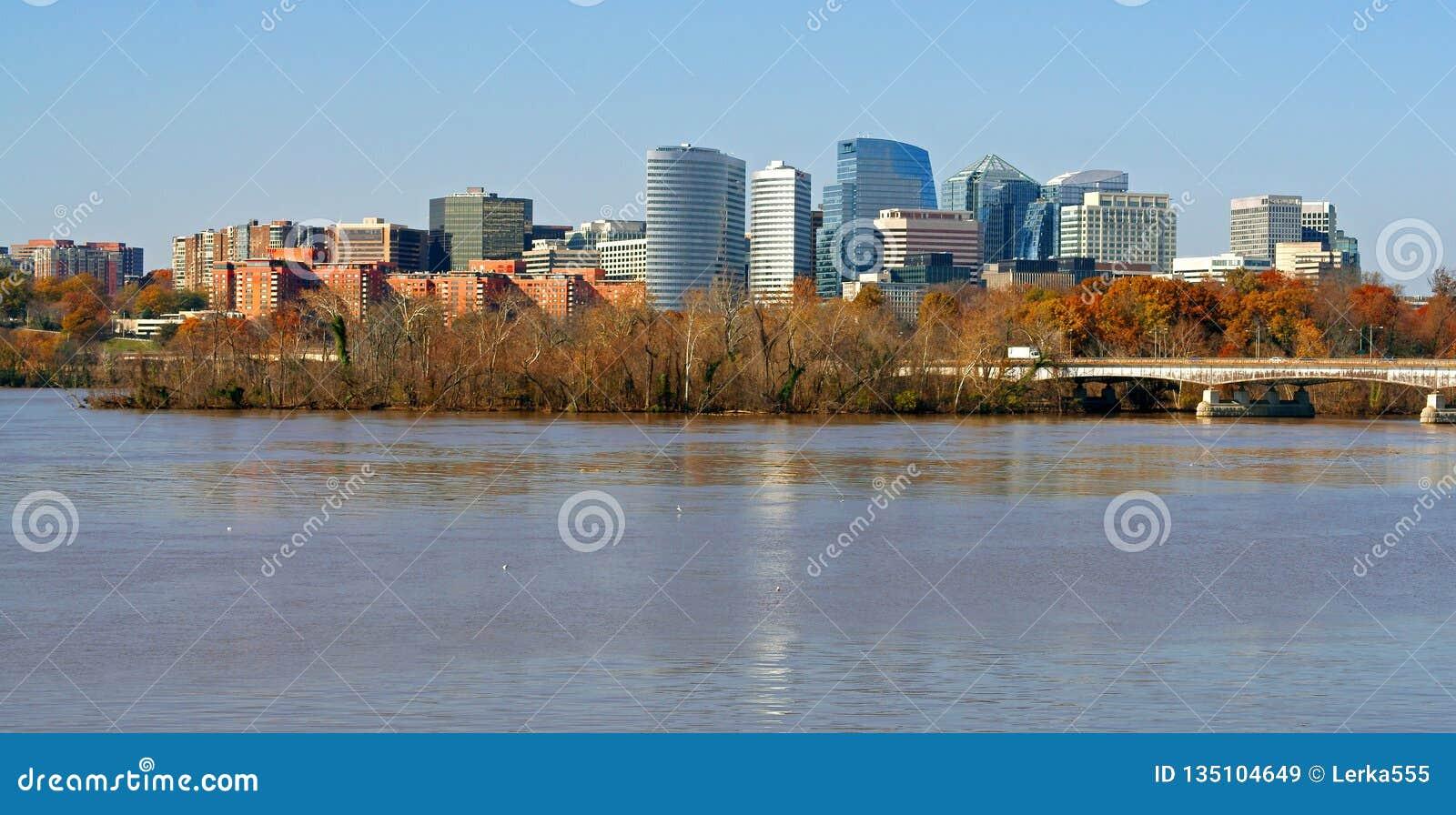 E Washington DC