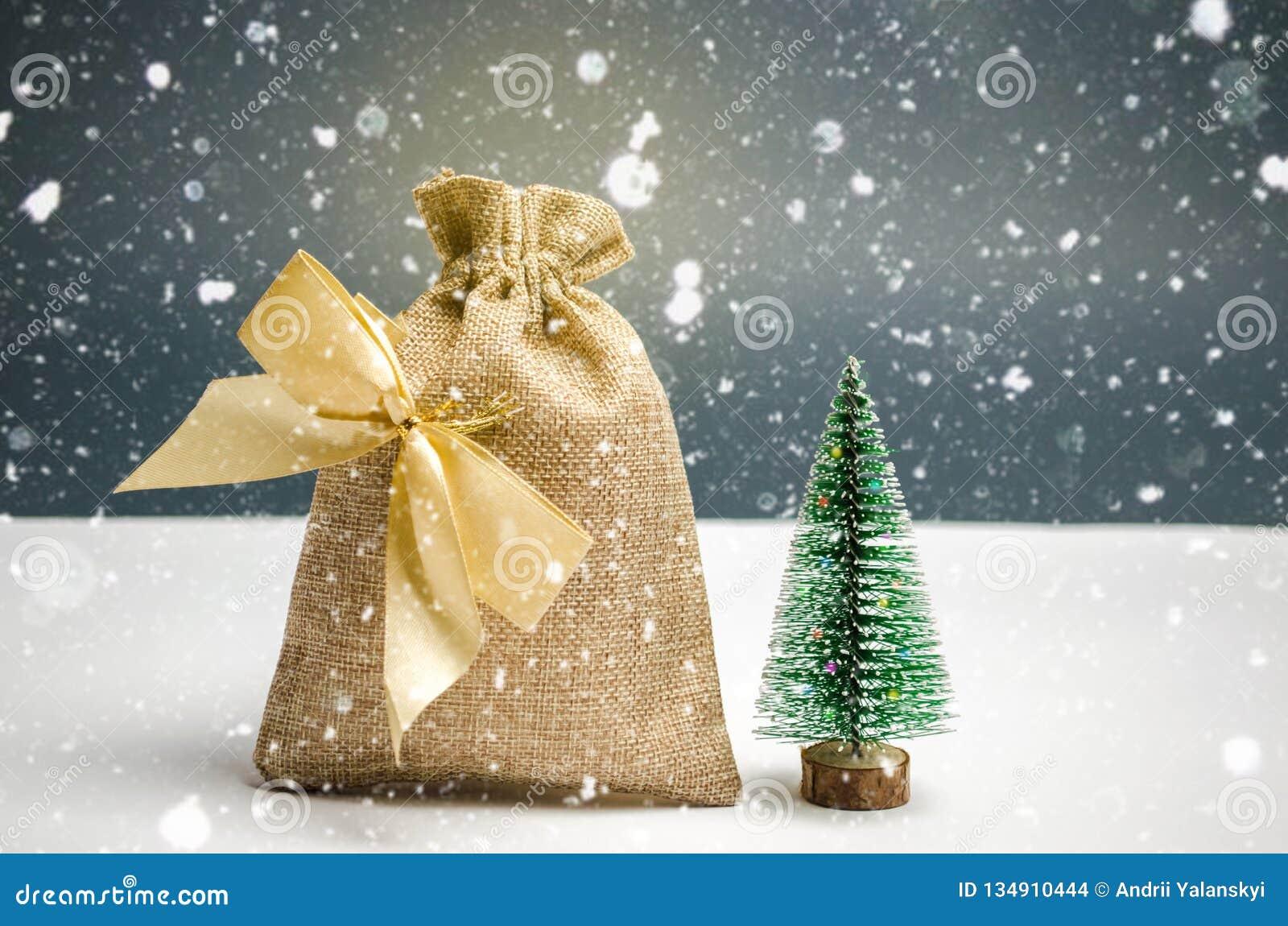 E Weihnachtseinkaufen und Vorbereiten für den Feiertag o neu