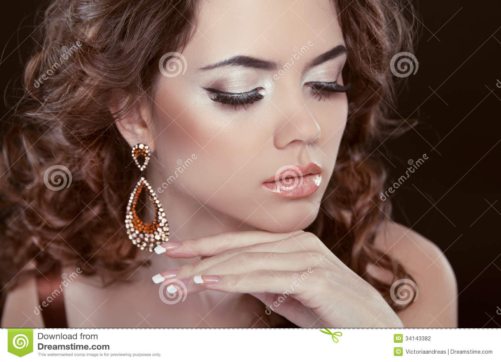 earrings girl hair makeup - photo #20