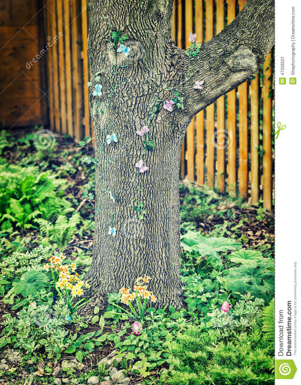 Easter Egg Hunt In A Garden Stock Image - Image of eggs, meadow ...
