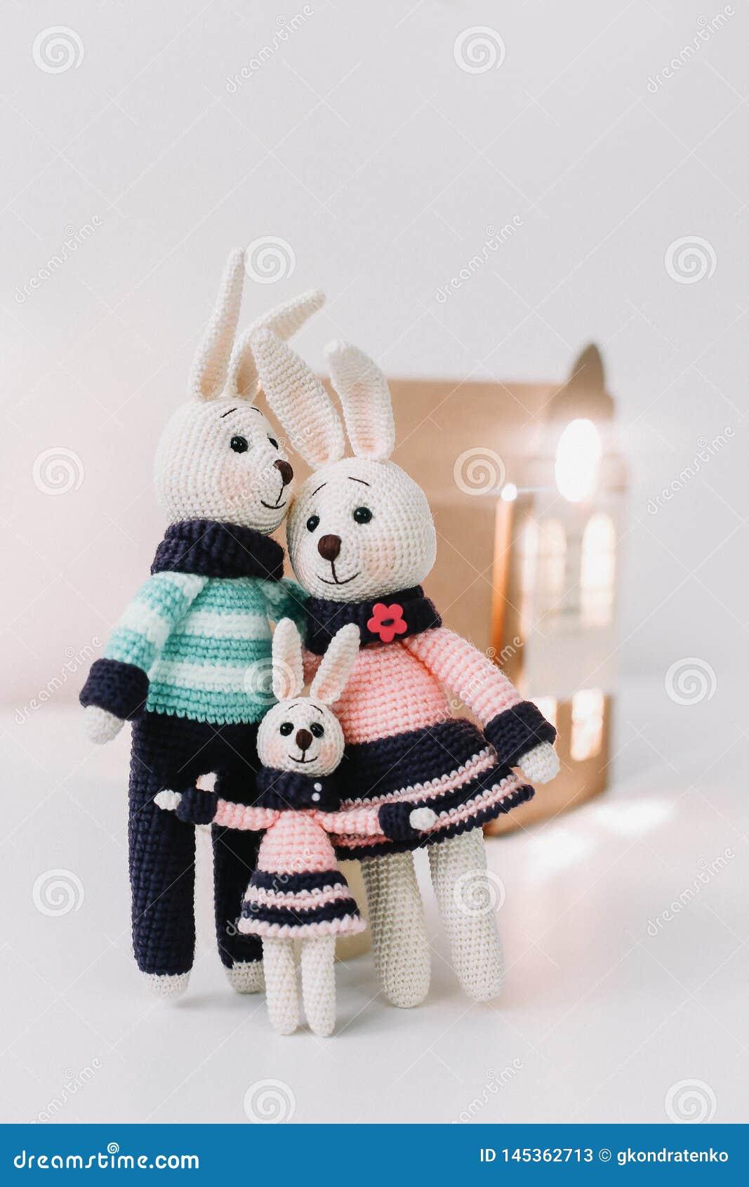Bunny family crochet toys – free patterns (Amigurumi Today ... | 1689x1066