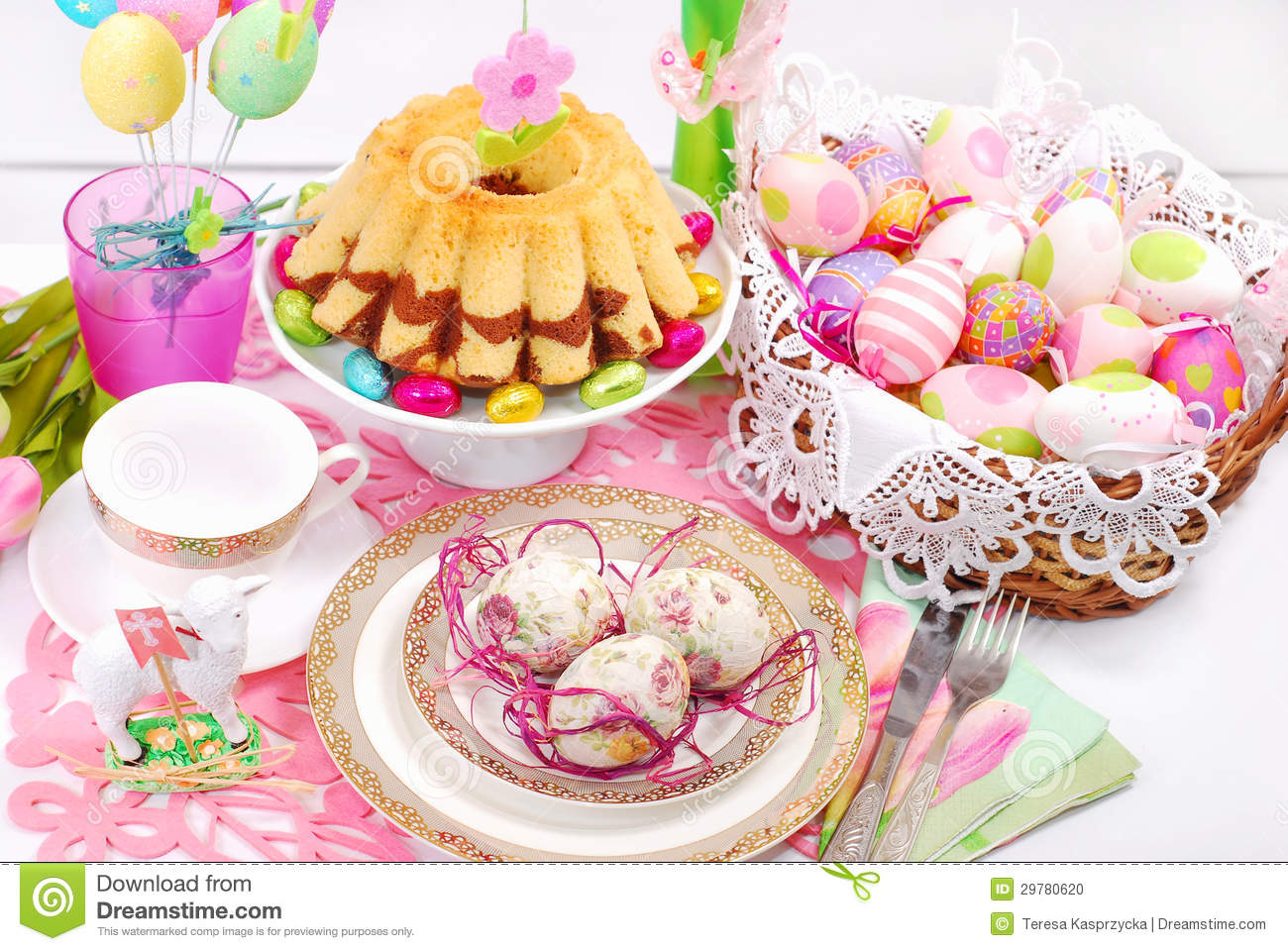 Easter table decoration with ring cake and basket stock photo image 29780620 - Decoration paques table ...