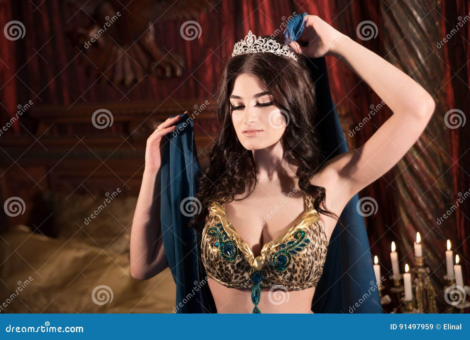 Luxury Princess Nude Photos 29