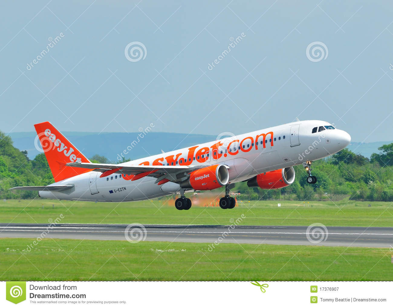 Easyjet airbus a320 photographie ditorial image 17376907 for Interieur avion easyjet
