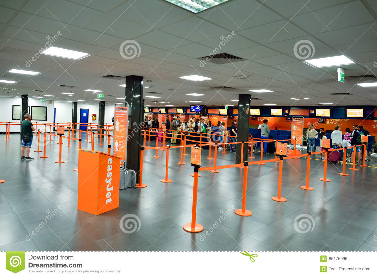 easyjet check in times luton