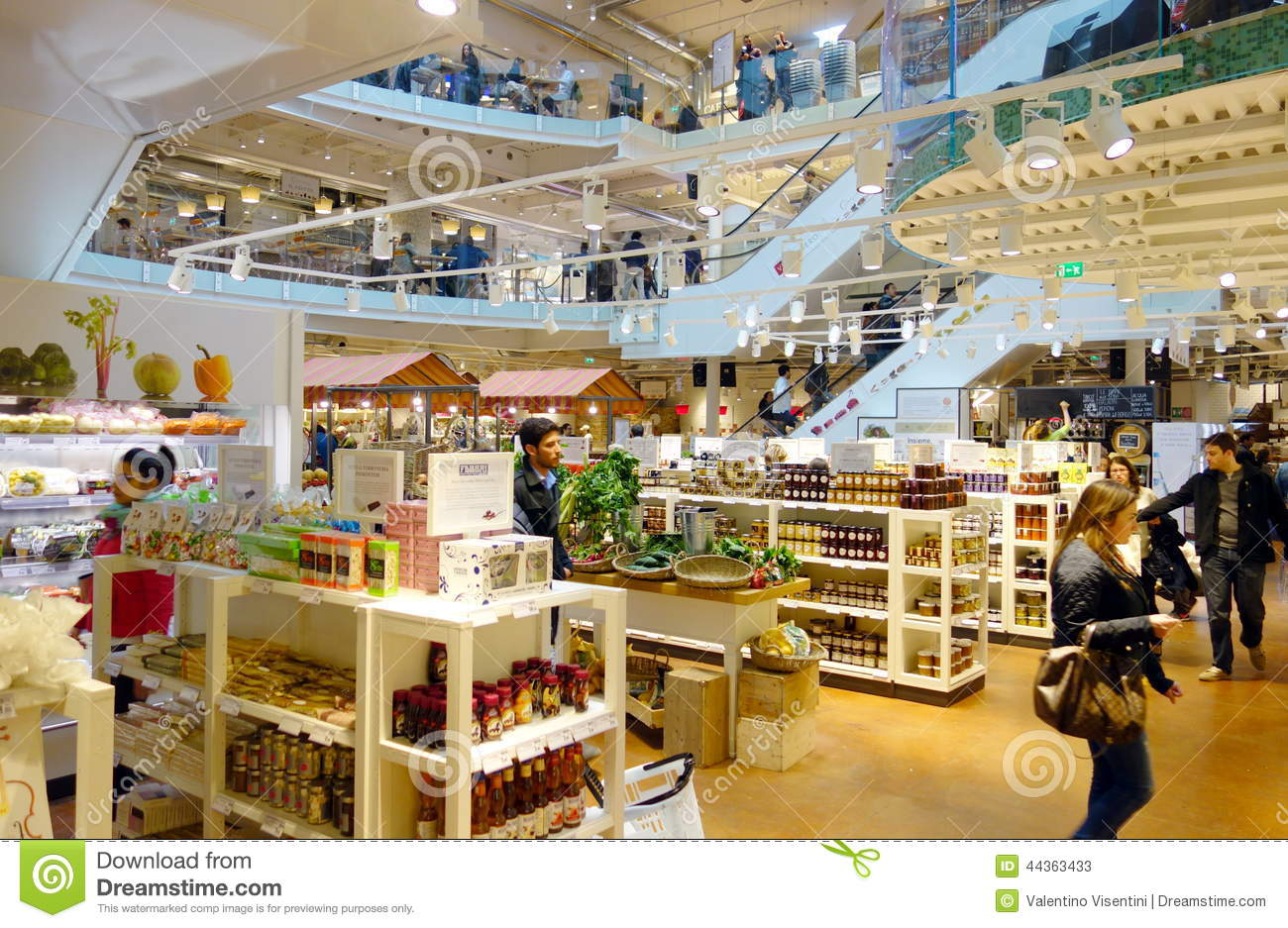 eataly-store-inside-one-famous-supermarkets-milan-italy-44363433.jpg