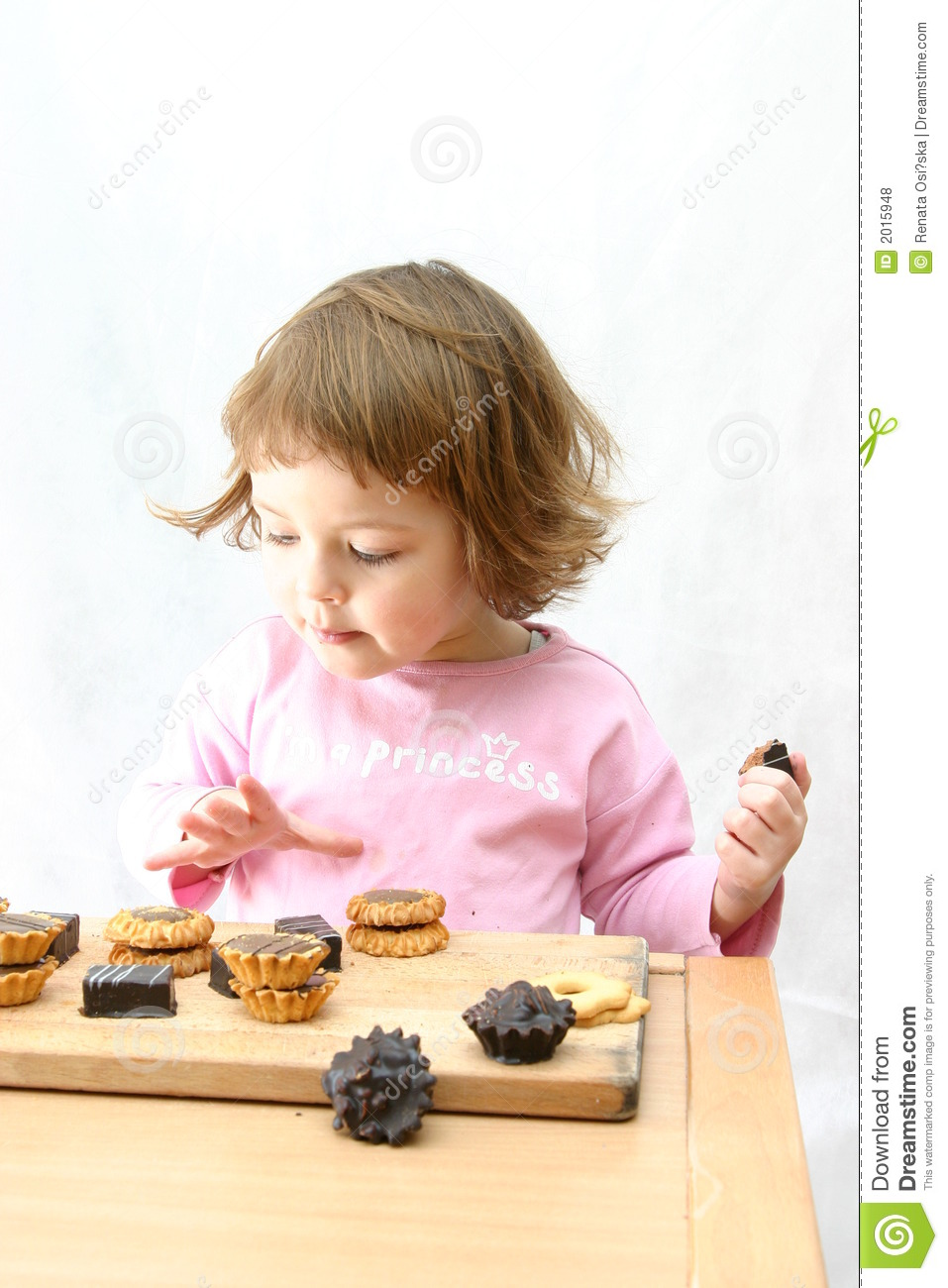 Eating Chocolate Cake Images : Eating Chocolate Cakes Royalty Free Stock Photos - Image ...