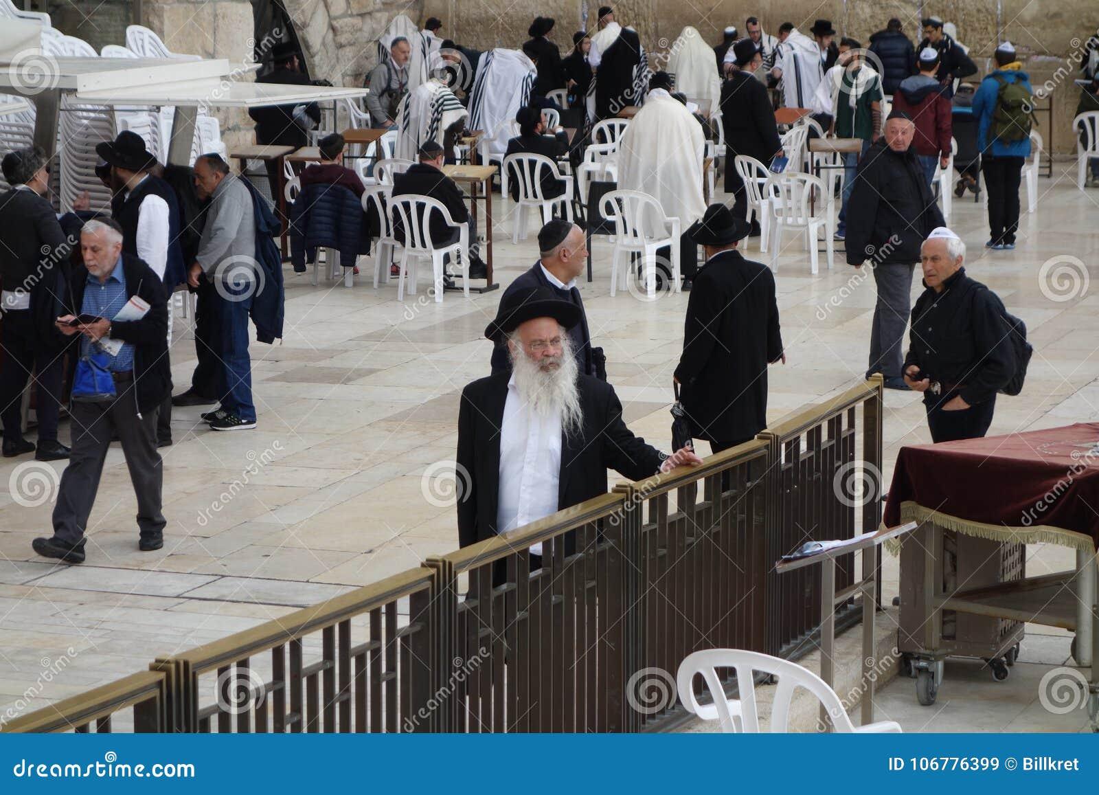 Ebrei Ortodossi Alla Parete Occidentale A Gerusalemme
