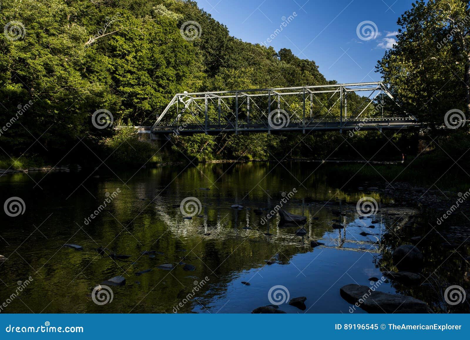Echo Dell Road Truss Bridge - l Ohio storici e ristabiliti
