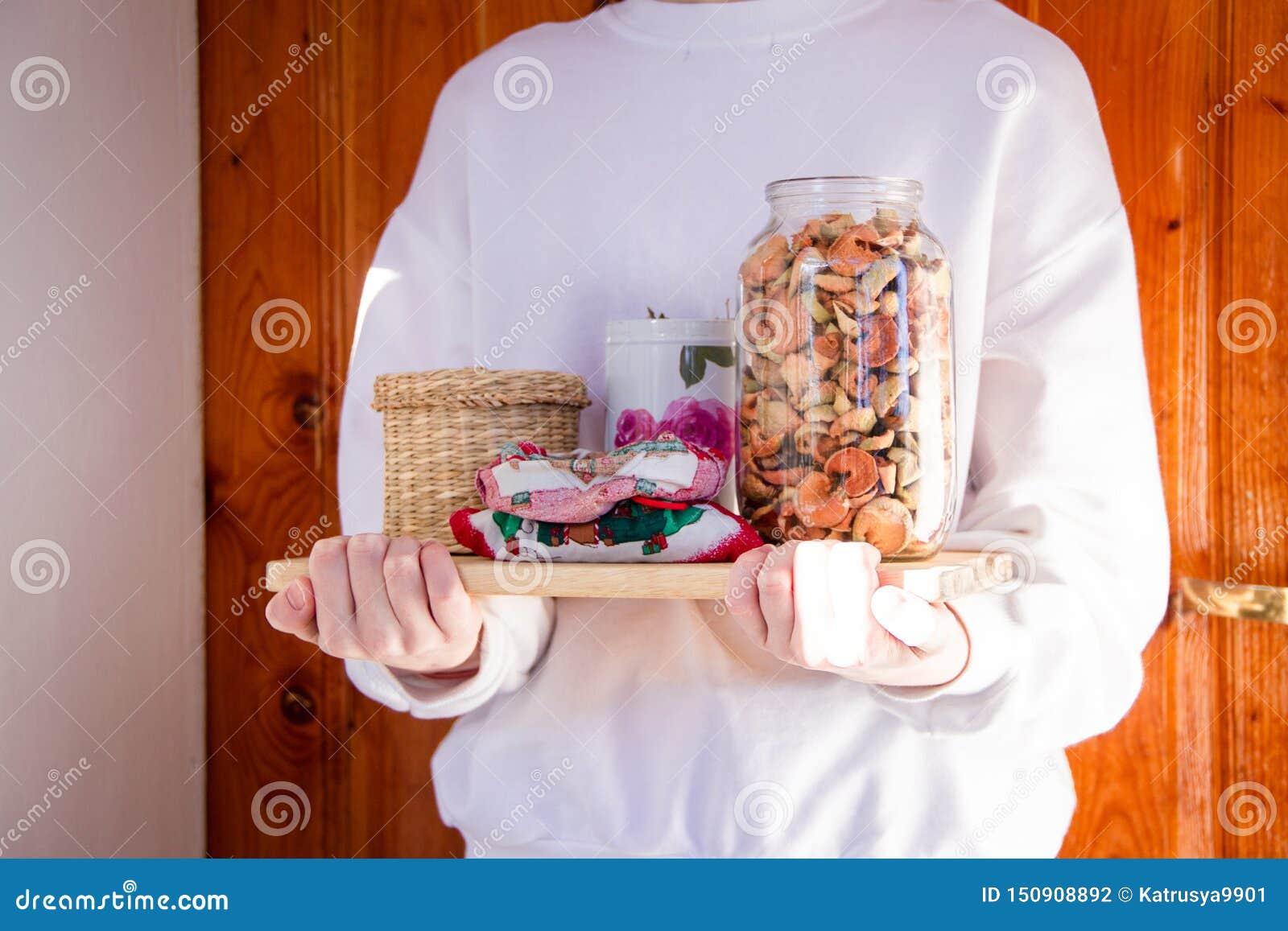 Ecological alternatives to plastics