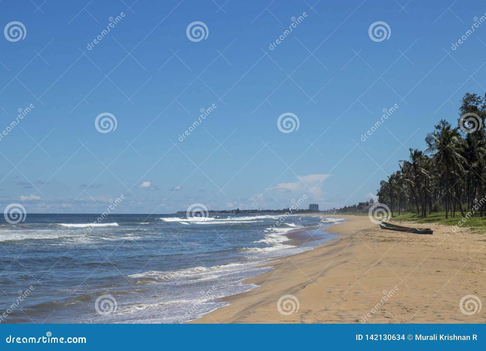 ECR Ченнаи пляжа летнего отпуска