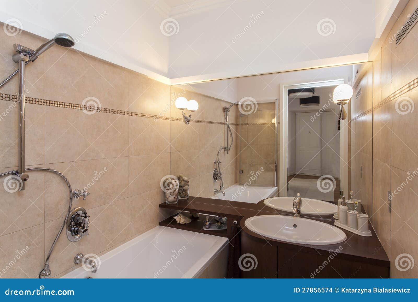 Badkamer ecru badkamer ontwerp idee n voor uw huis samen met meubels die het aanvullen - Betegelde badkamer ontwerp ...