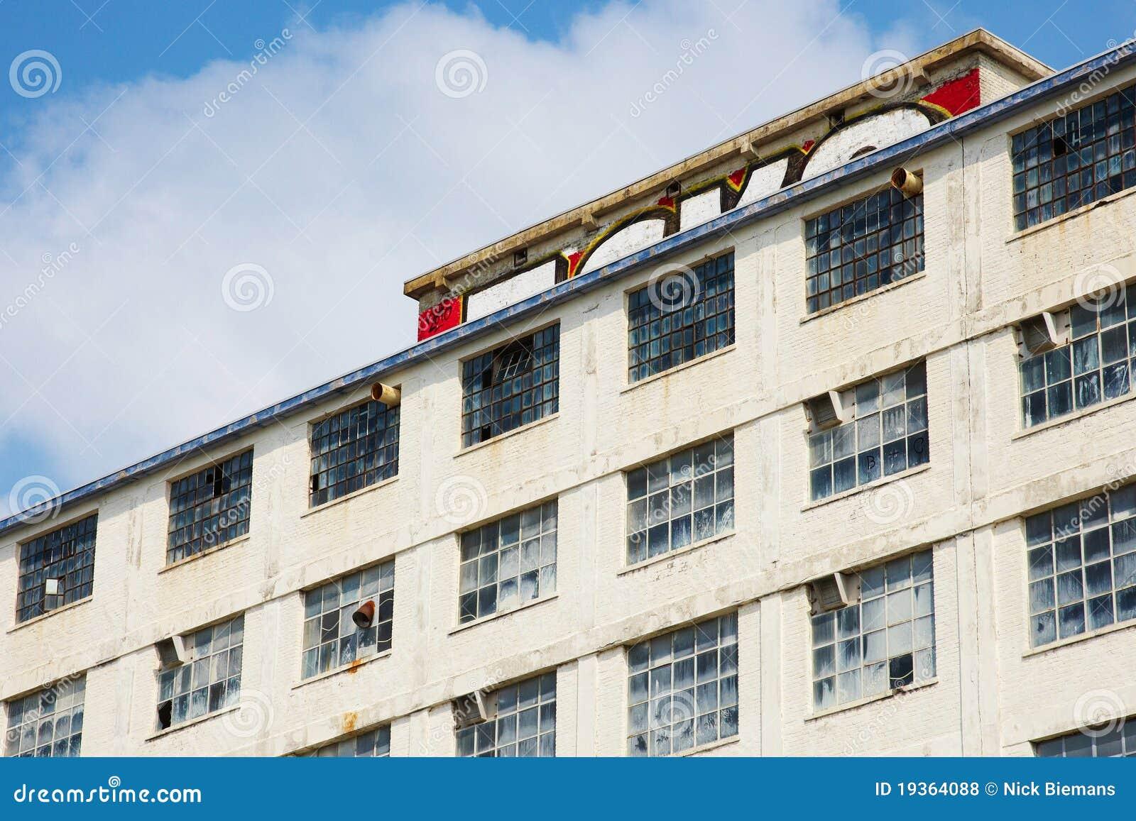 Edifício abandonado da fábrica