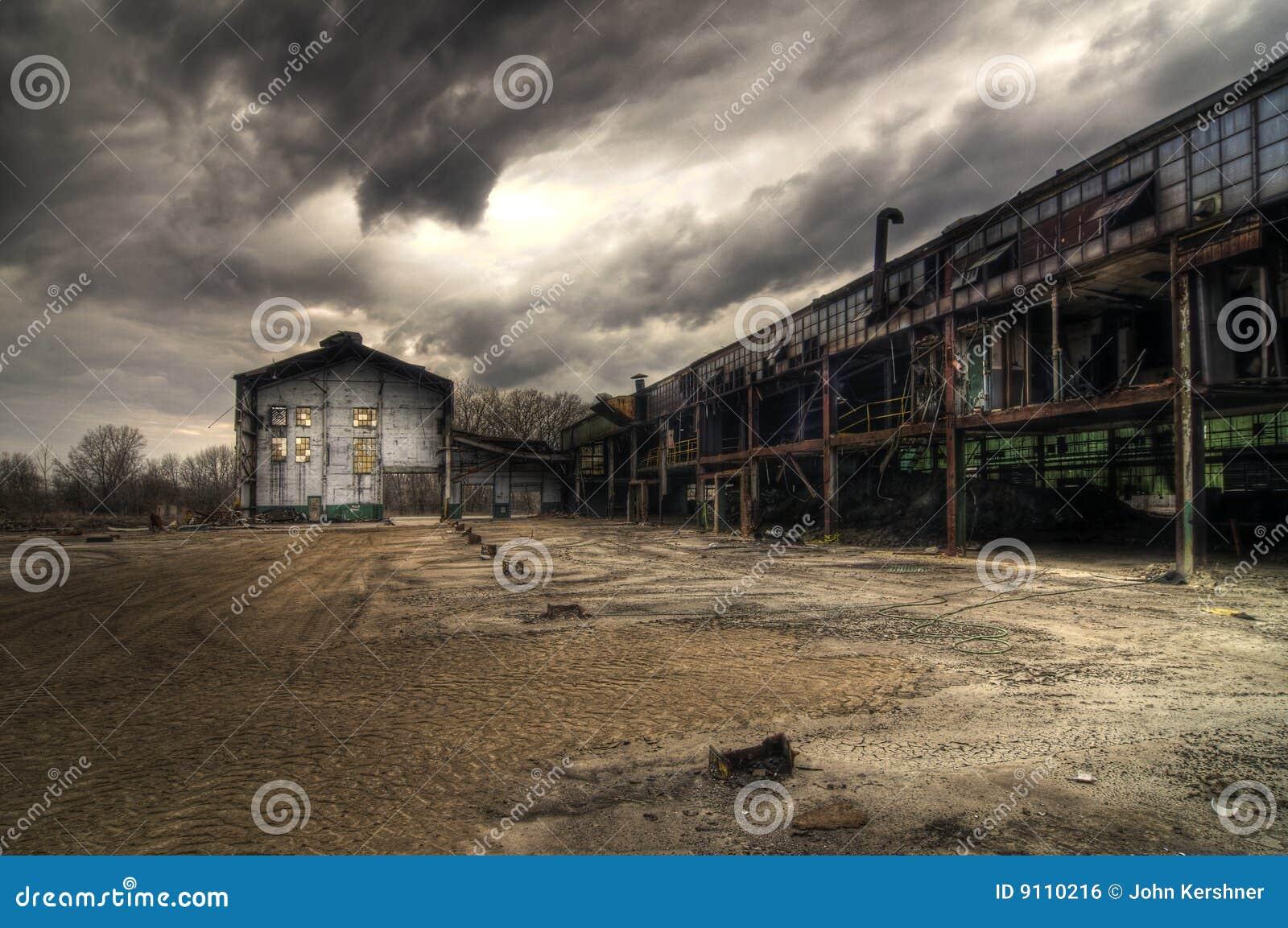 Edifícios industriais abandonados