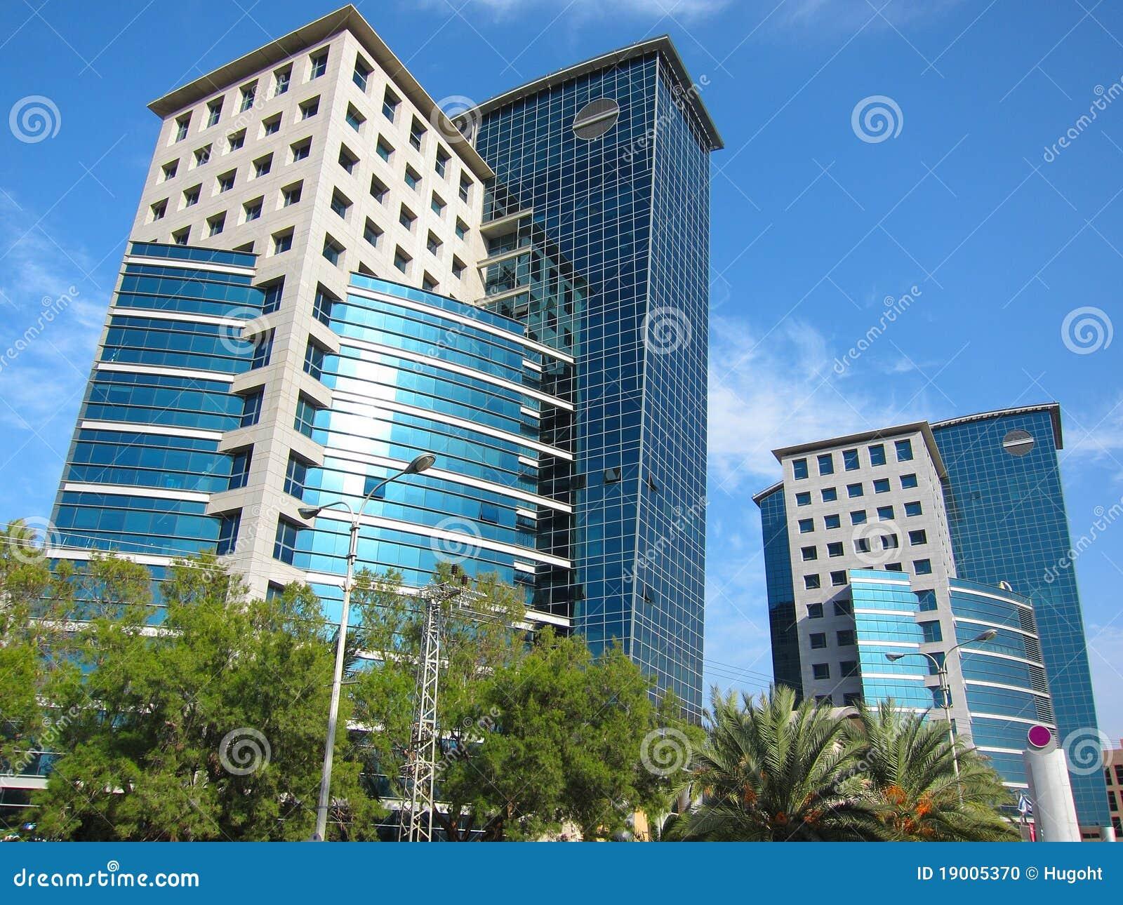 Edifici per uffici moderni fotografia stock immagine di - Immagini di uffici ...
