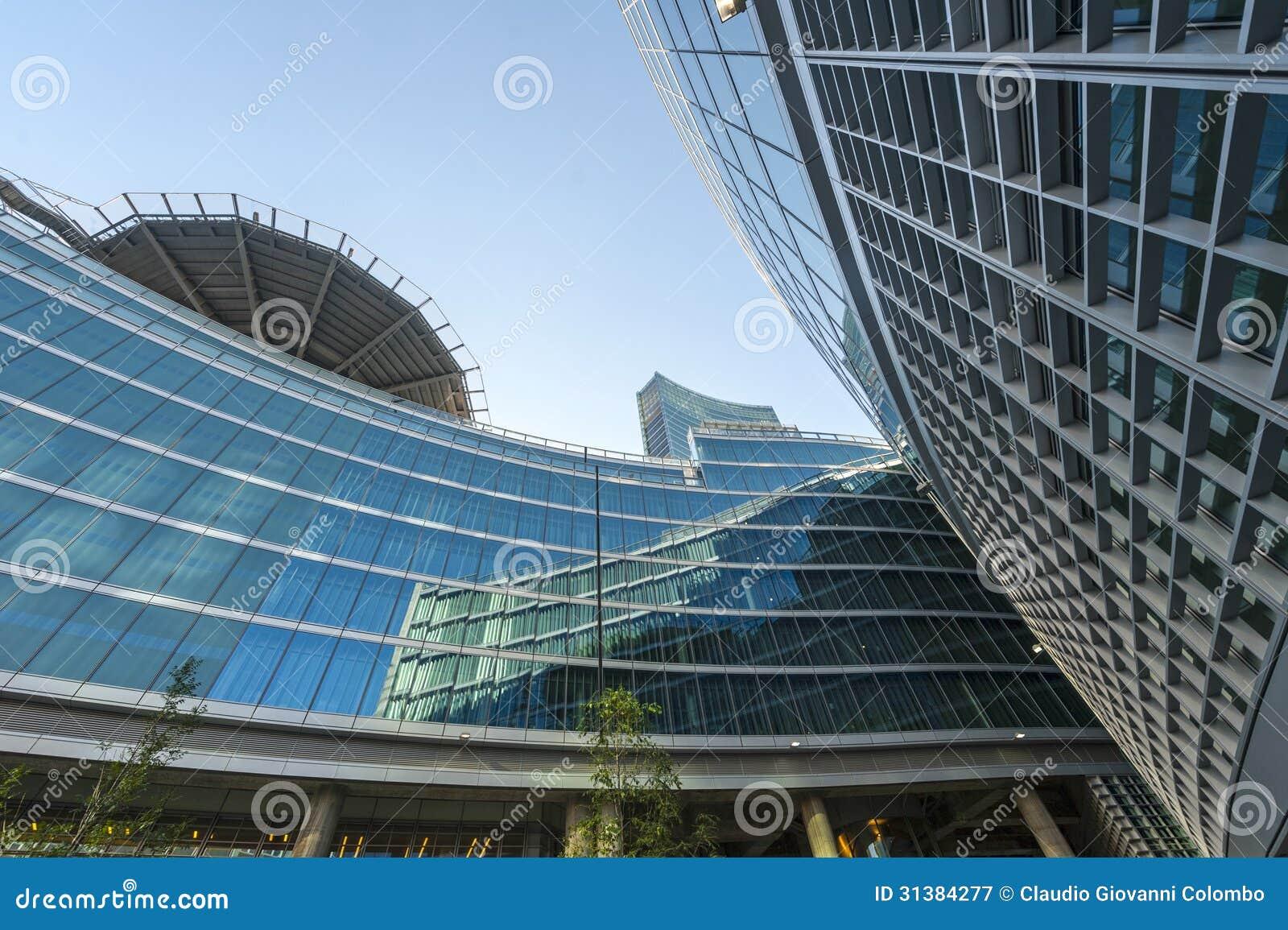 Edifici per uffici moderni a milano italia immagine for Uffici moderni